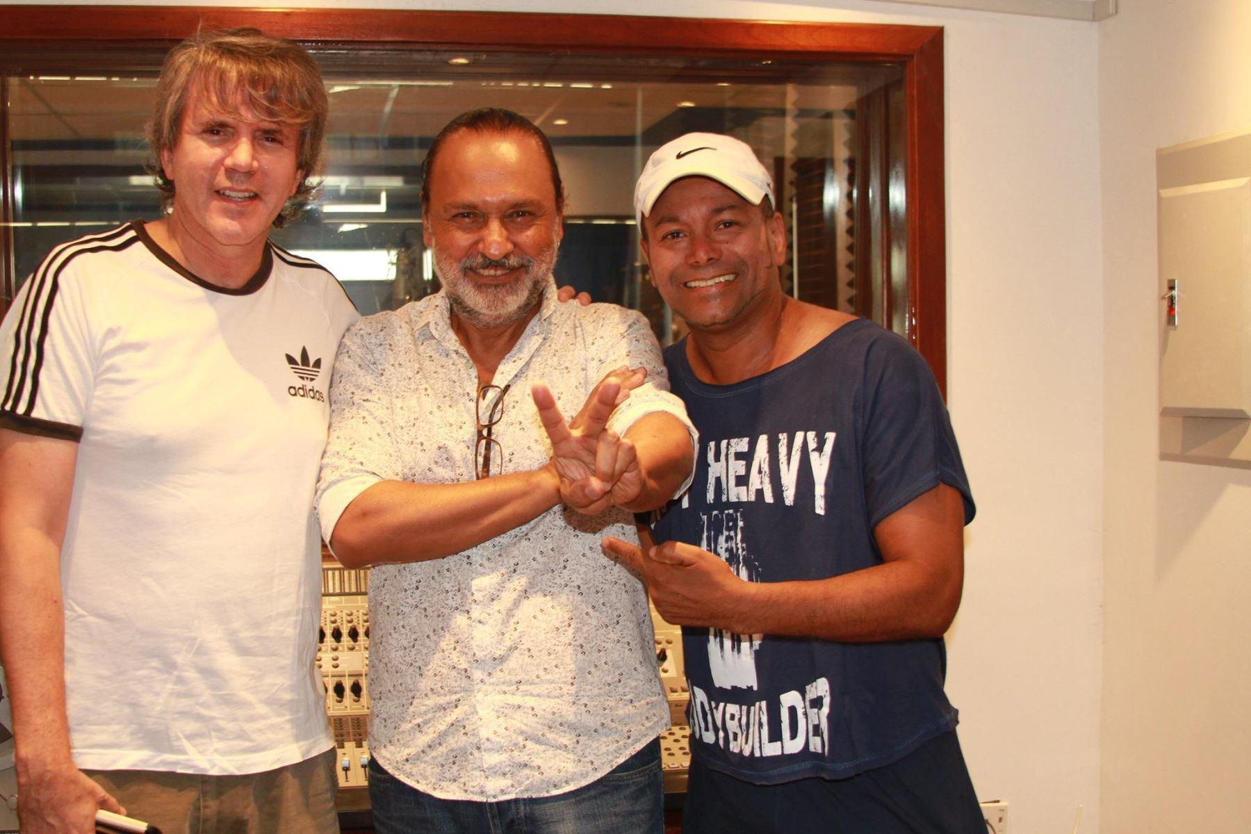 """Artistas graban tema """"Levántate Perú""""."""