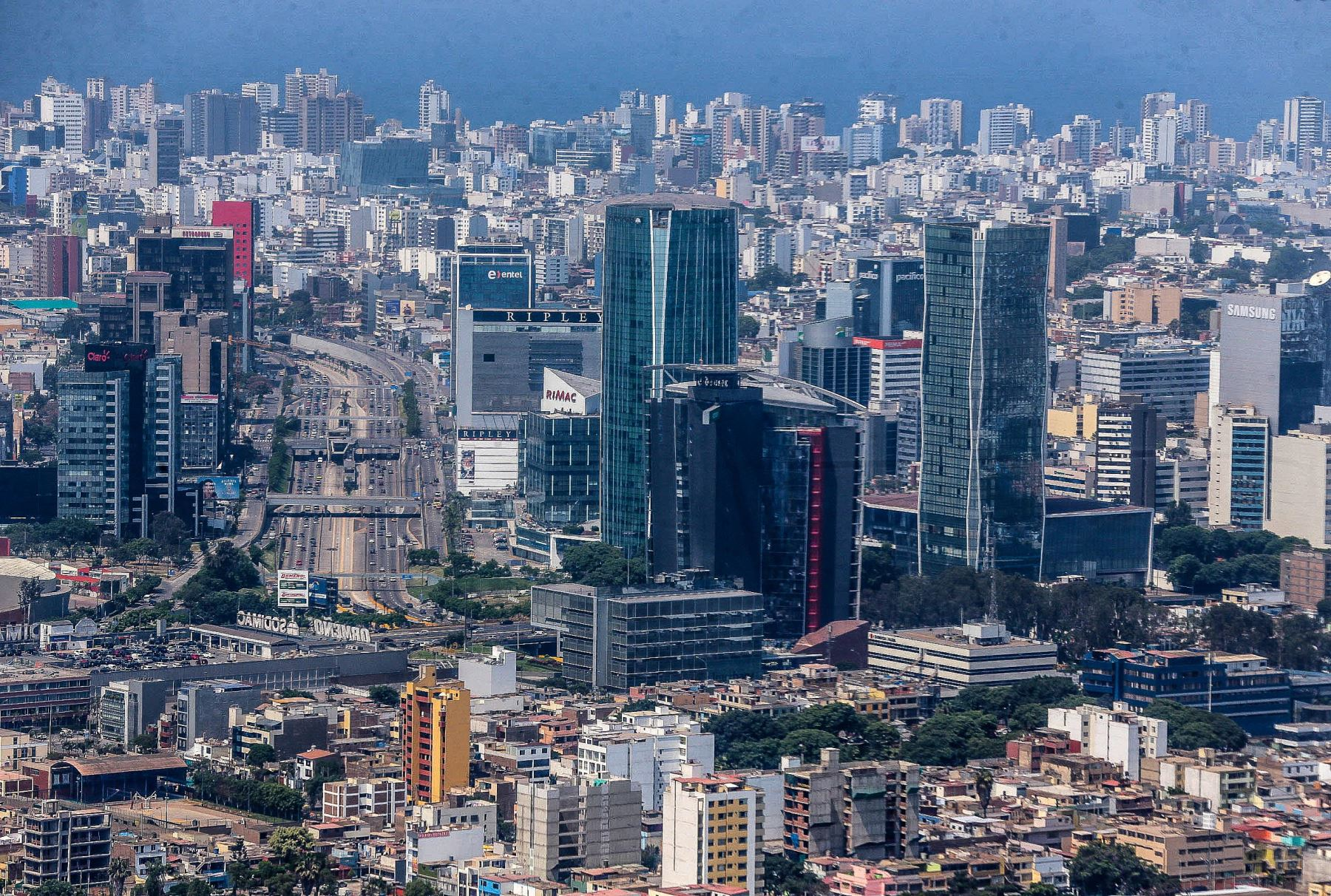 Centro financiero de Lima. ANDINA/Carlos Lezama