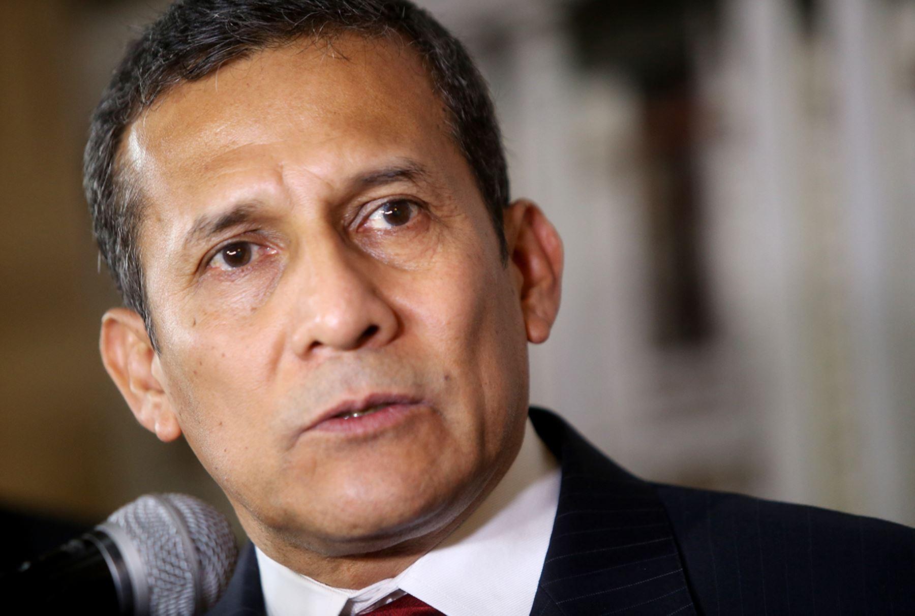 LIMA PERÚ, MARZO 31. Expresidente Ollanta Humala brinda declaraciones tras su descargo en la Comisión de Defensa del Congreso. Foto: ANDINA/Melina Mejía