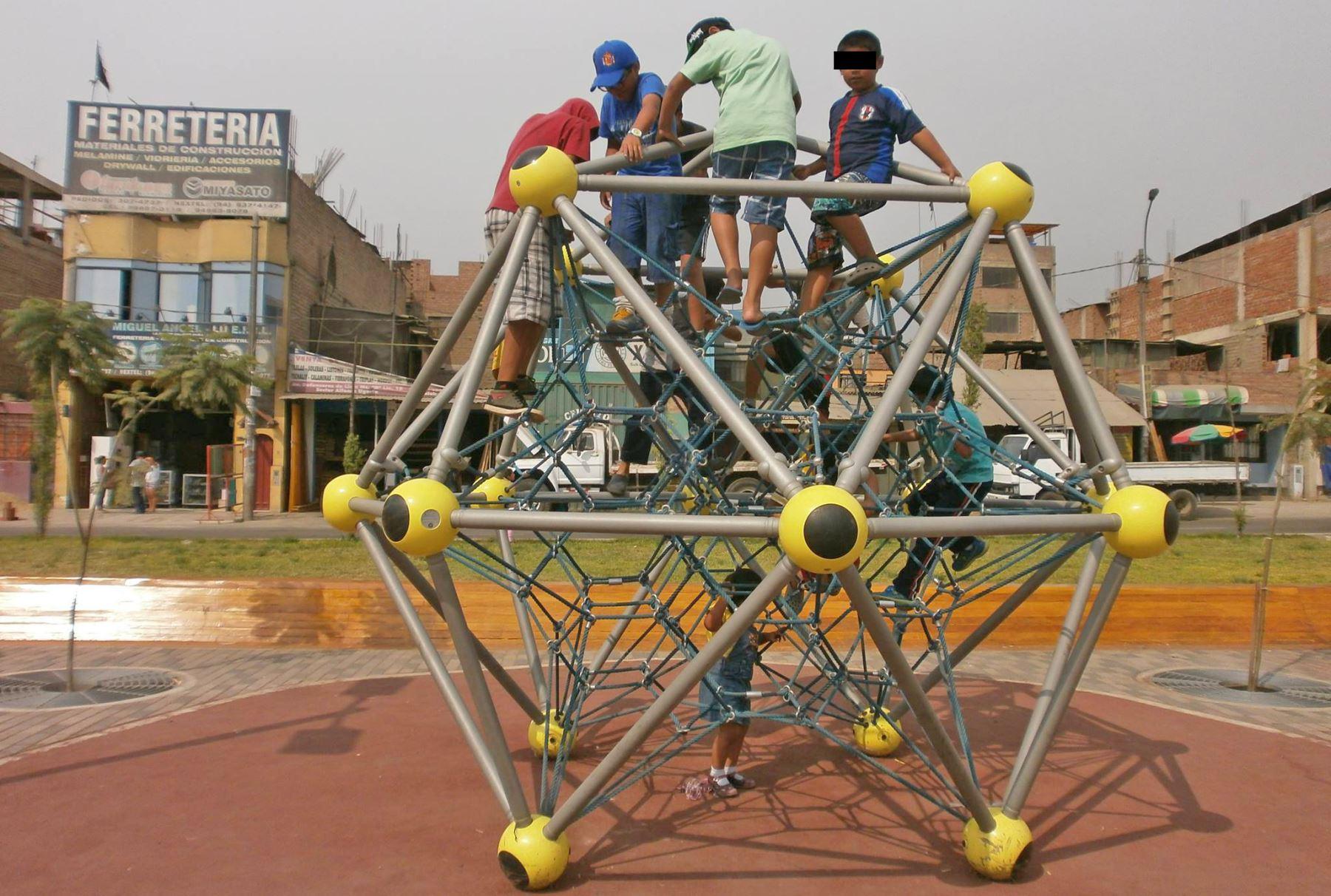 Ninos Con Discapacidad Podrian Jugar A Plenitud En Parques