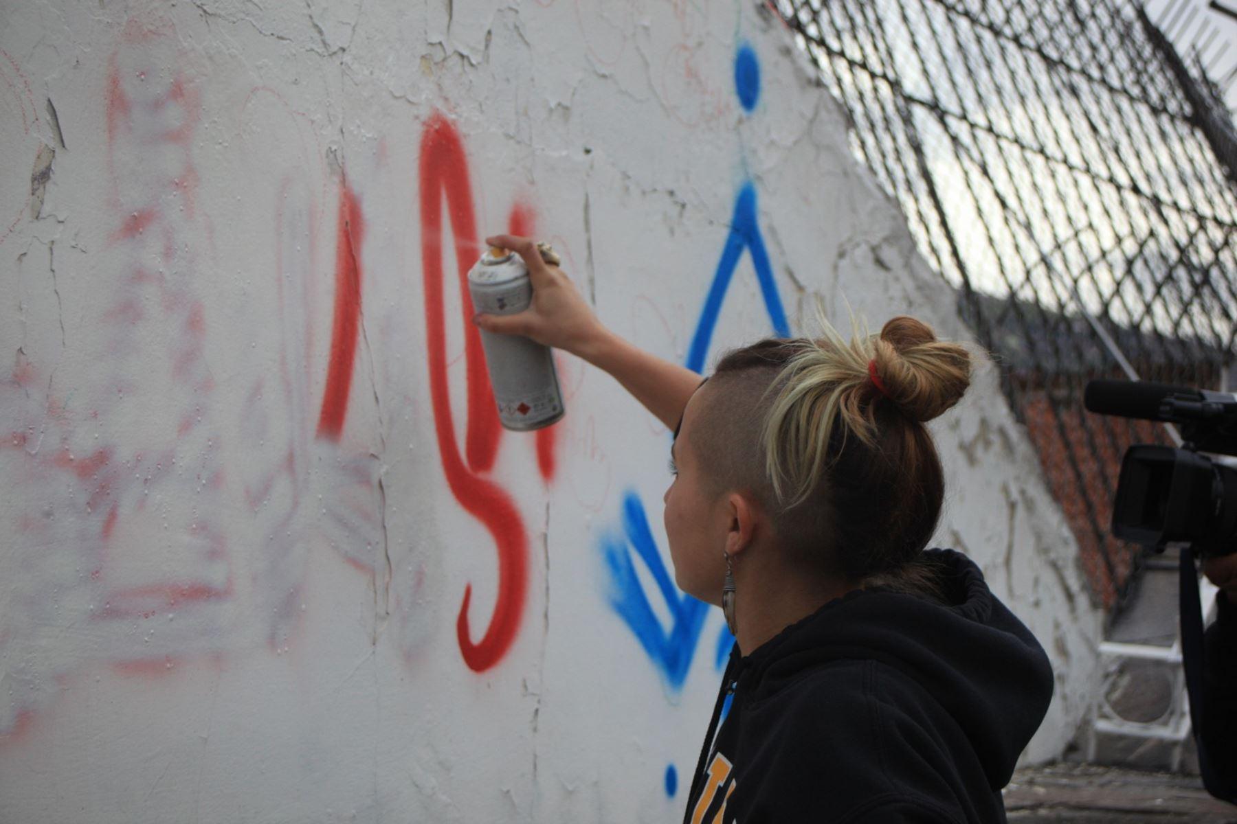 Expulsan del Perú a extranjeros tras ordenarles borrar pintas en muros del centro histórico del Cusco. Foto: ANDINA/Percy Hurtado Santillán.