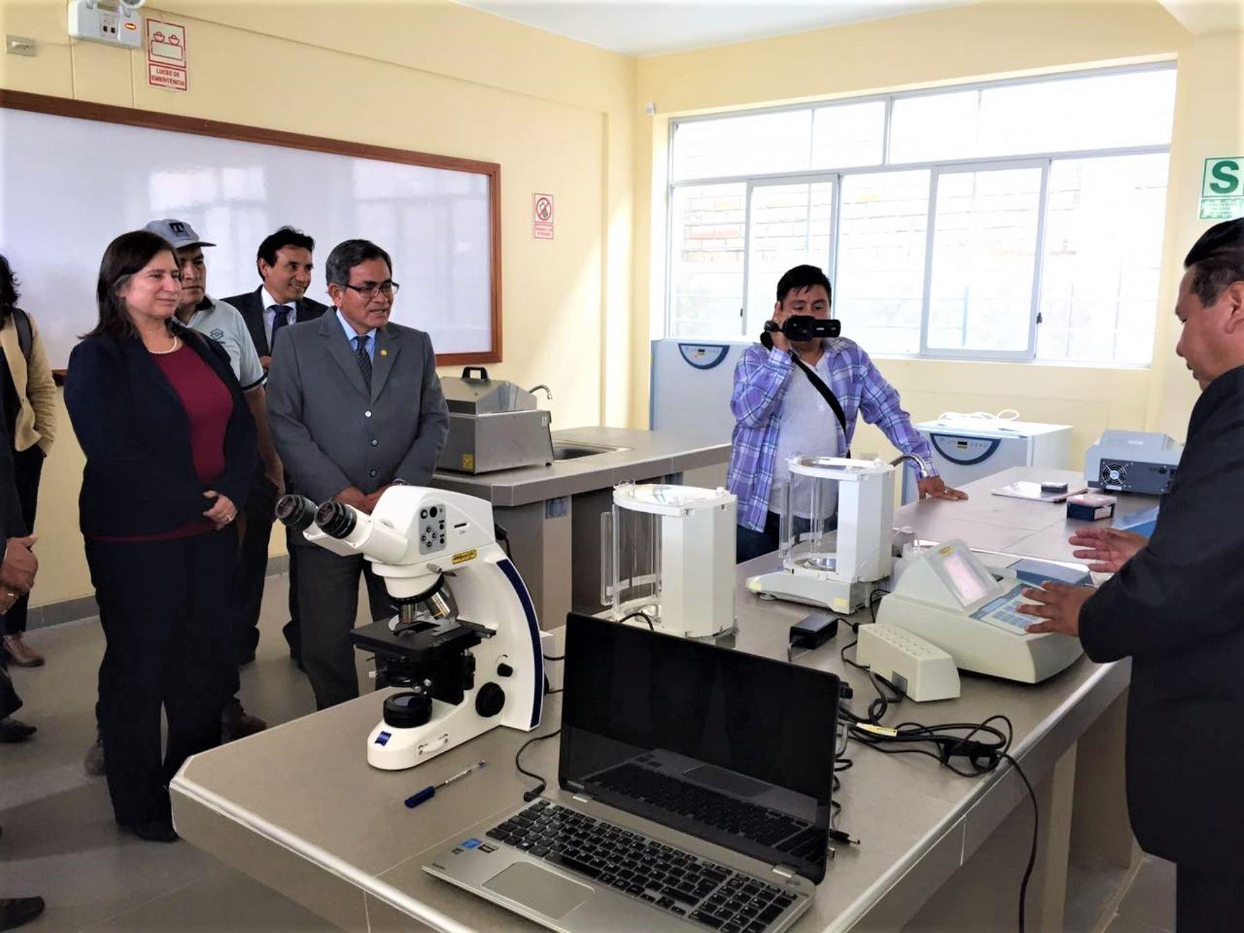 La UNAH es una de las tres casas de estudios superiores de Ayacucho que busca responder a la demanda de 11,000 jóvenes, entre 15 y 19 años, que necesitan acceder a la educación superior.