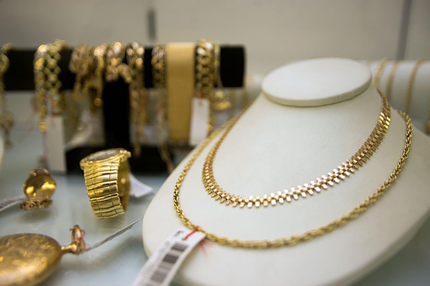 76209d6bb1b9 Abren exposición venta de joyas de oro en Miraflores. Caja Metropolitana de  Lima. ANDINA Difusión