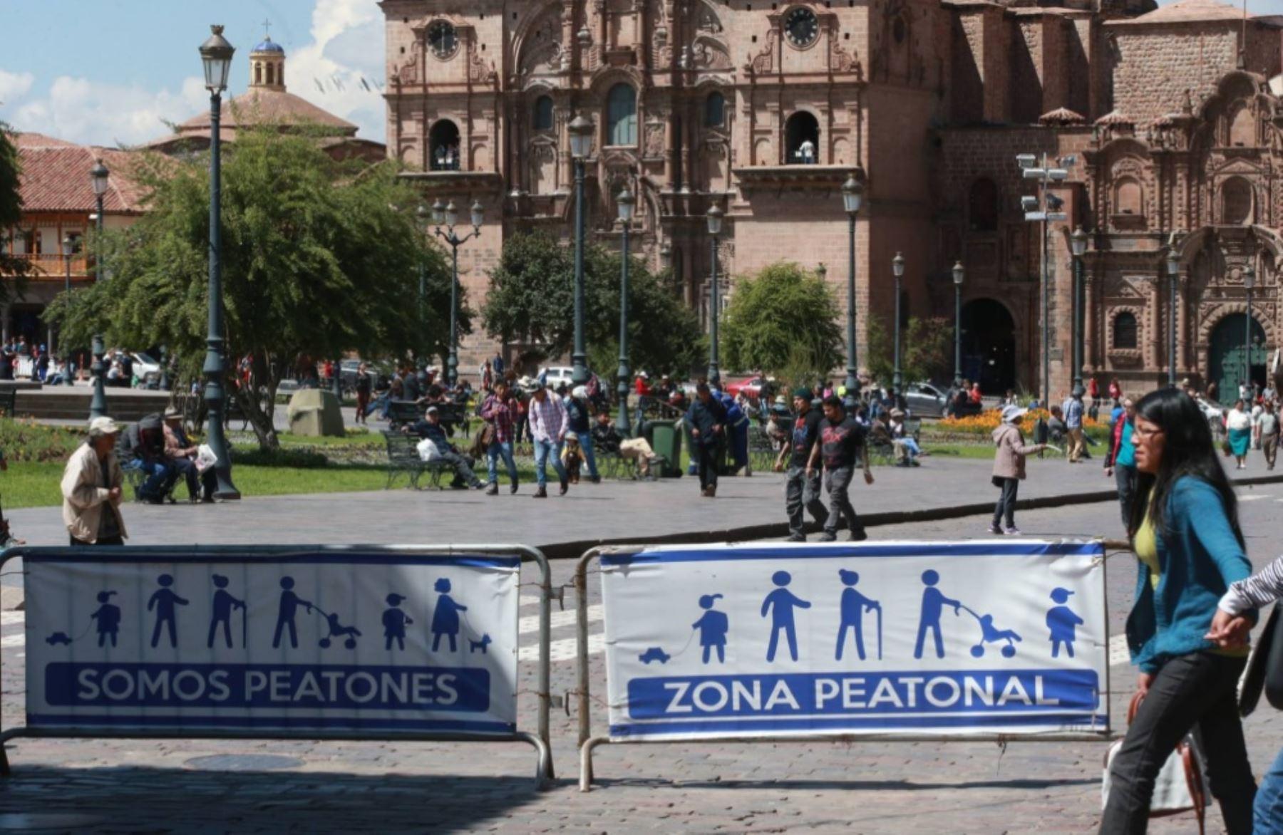 El alcalde provincial del Cusco, Carlos Moscoso, informó que se ampliarán a 10 el número de calles restringidas para el tránsito de vehículos en las zonas aledañas a la Plaza de Armas.