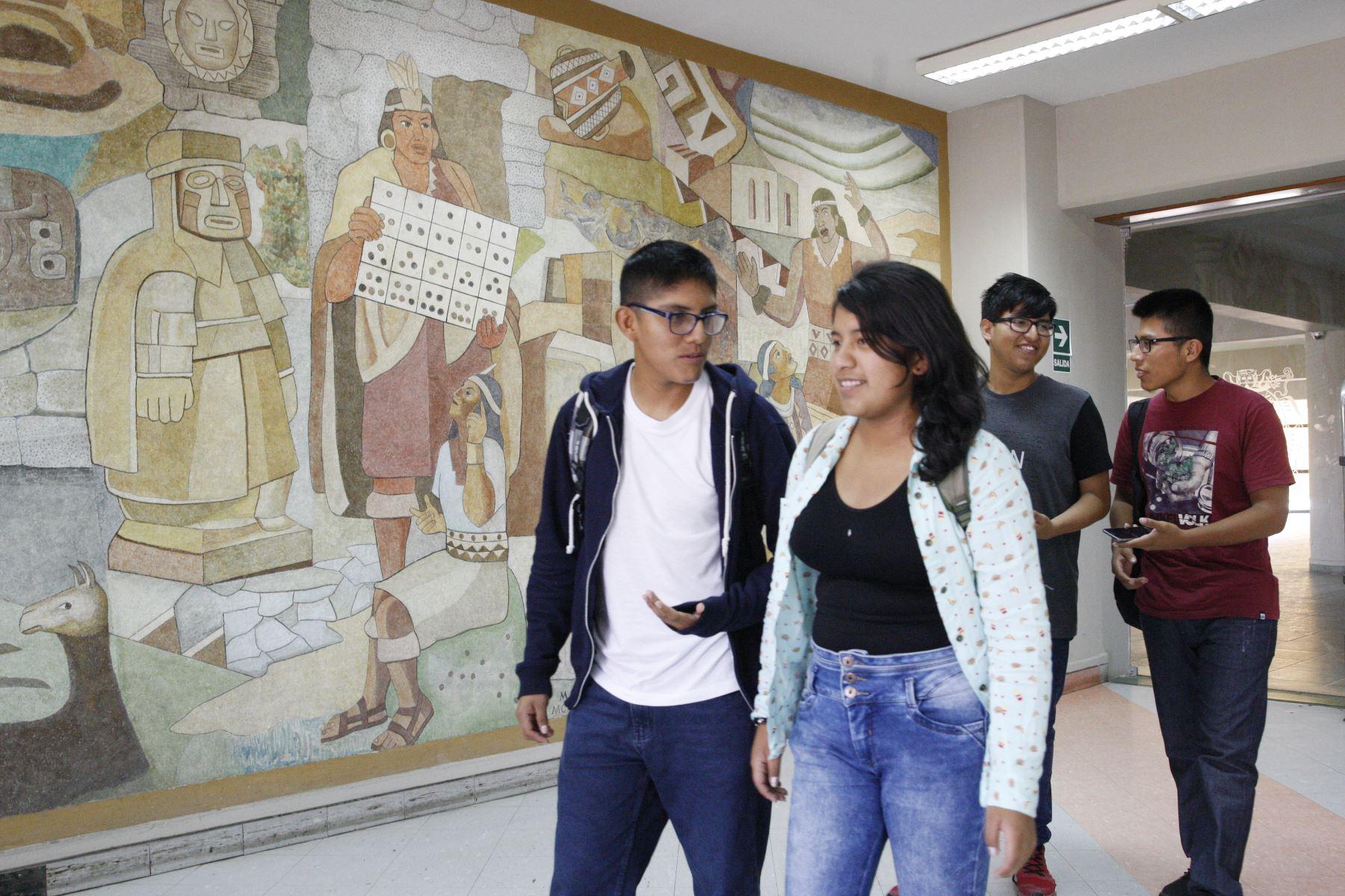 Fundación San Marcos otorgará becas integrales a los estudiantes con alto rendimiento académico que residen en las viviendas de la UNMSM. Foto: ANDINA/Eddy Ramos.
