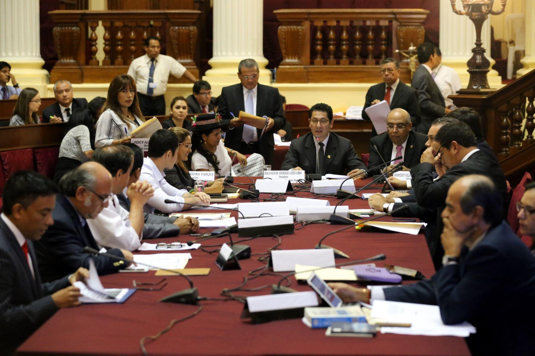 La Comisión de Justicia y Derechos Humanos del Congreso.