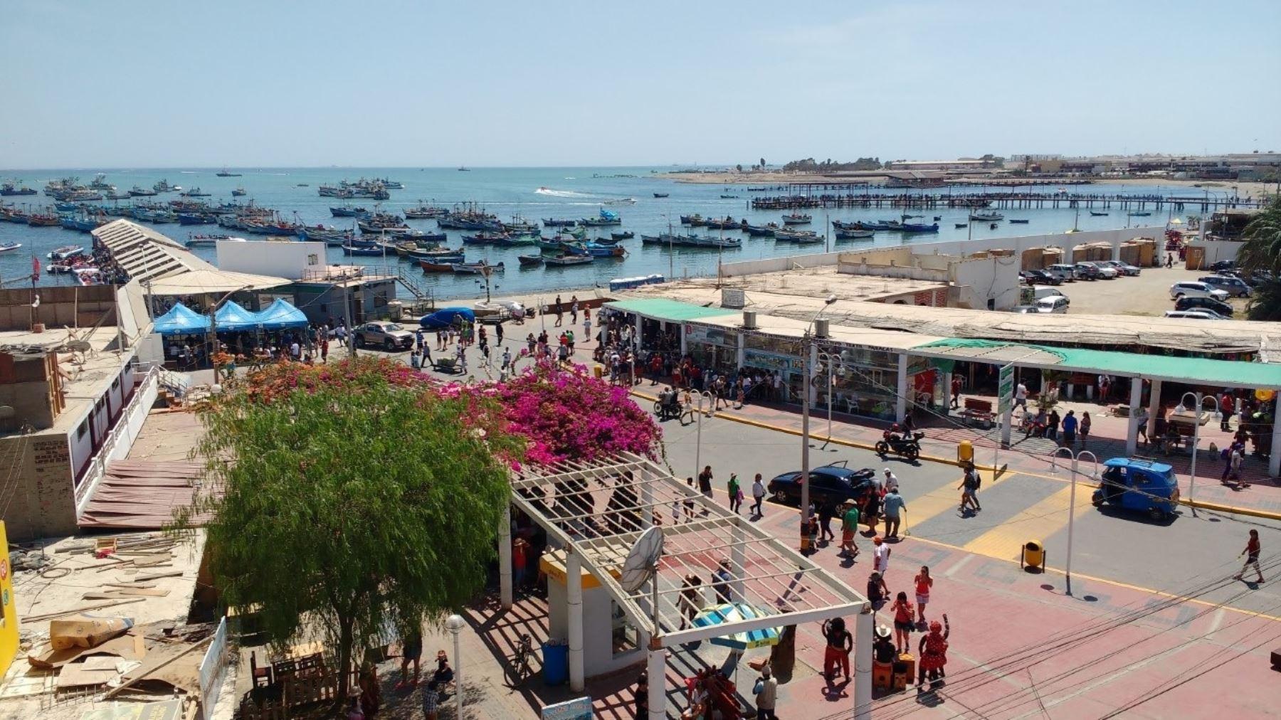 Turistas disfrutarán de los atractivos naturales y exquisita gastronomía de Paracas. ANDINA/Difusión