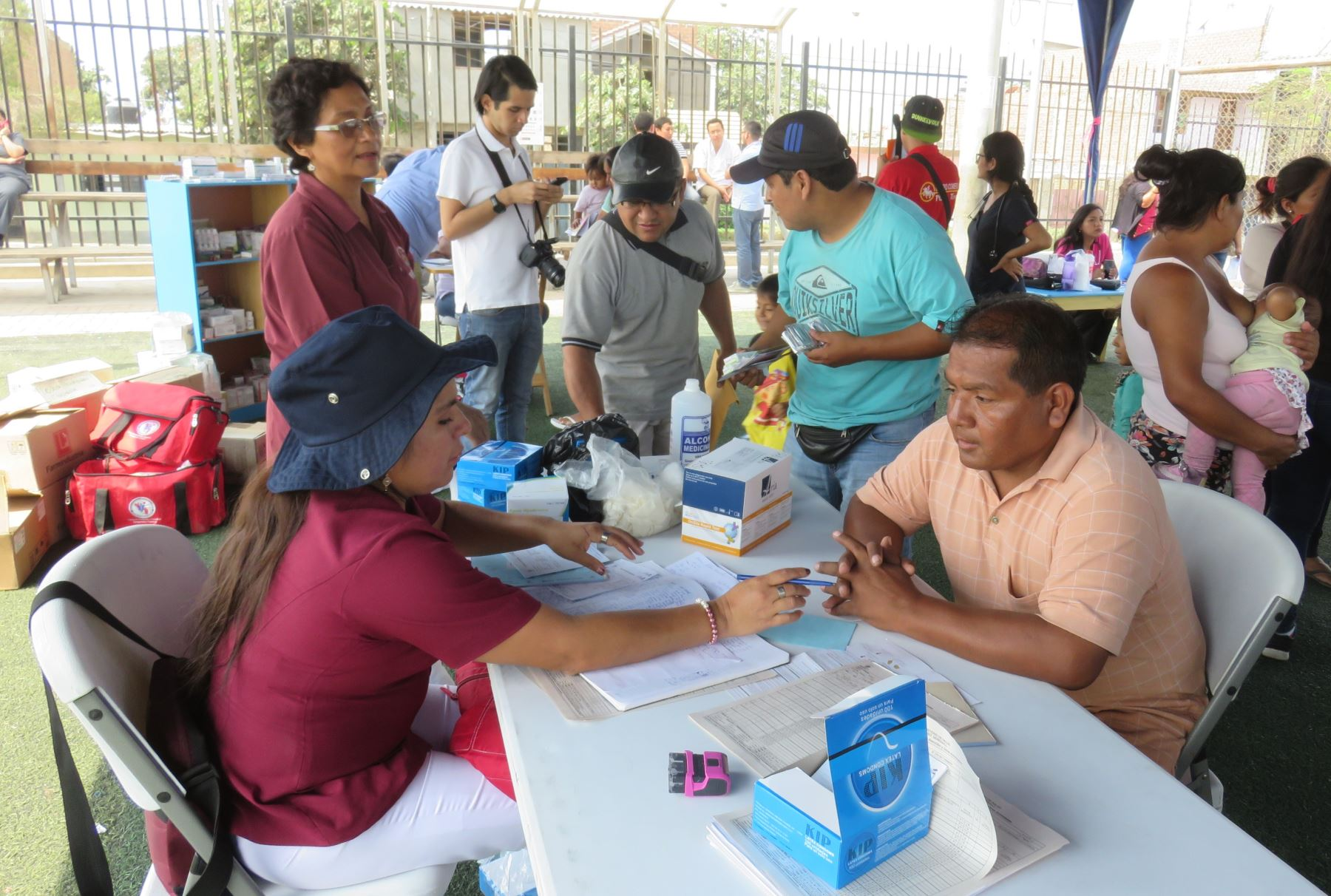 Realizan campaña médica para damnificados de El Porvenir, en Trujillo. ANDINA/Luis Puell