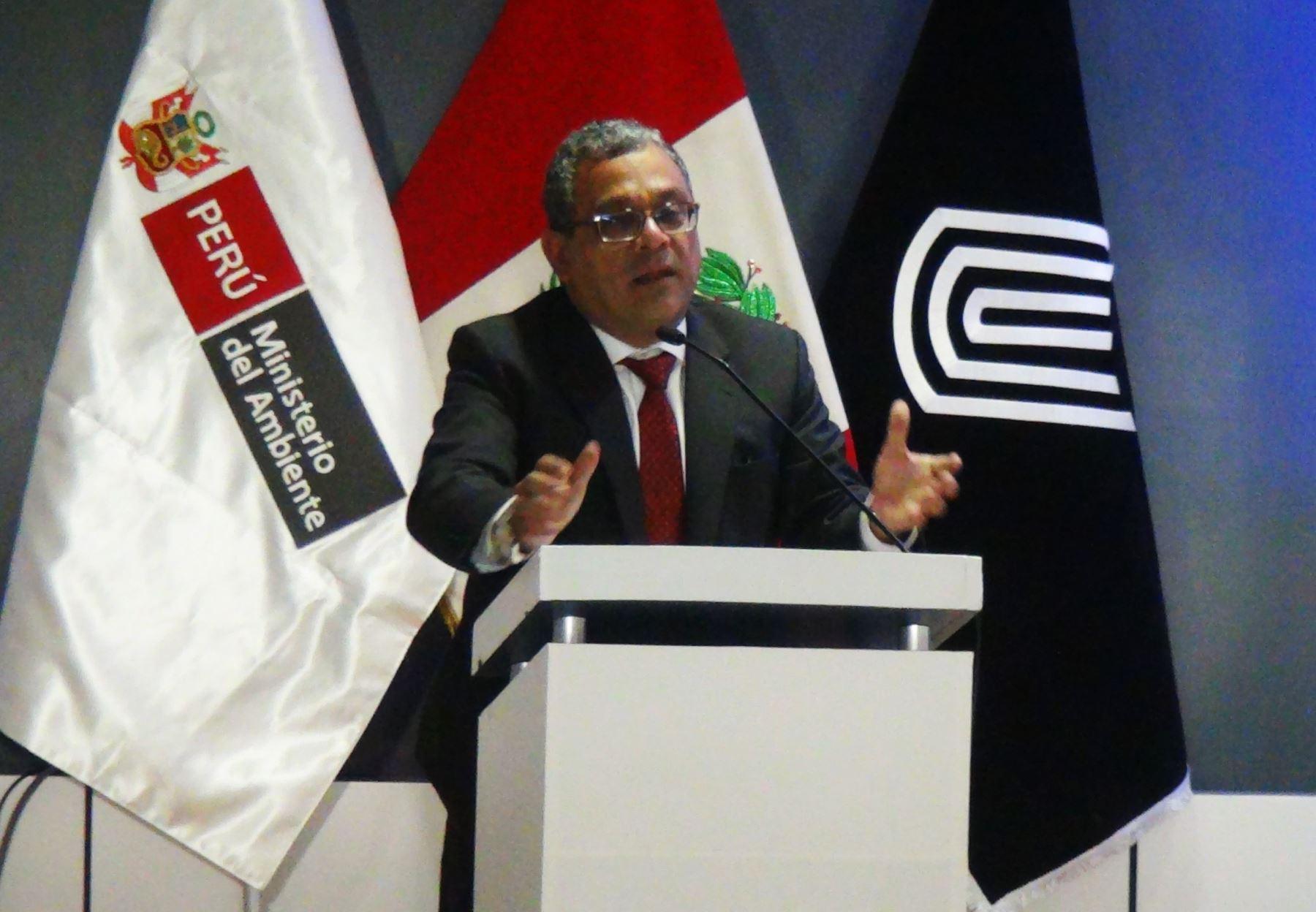 Viceministro de Gestión Ambiental del Ministerio del Ambiente, Marcos Alegre, presenta en Junín propuesta de estándares de calidad ambiental. ANDINA