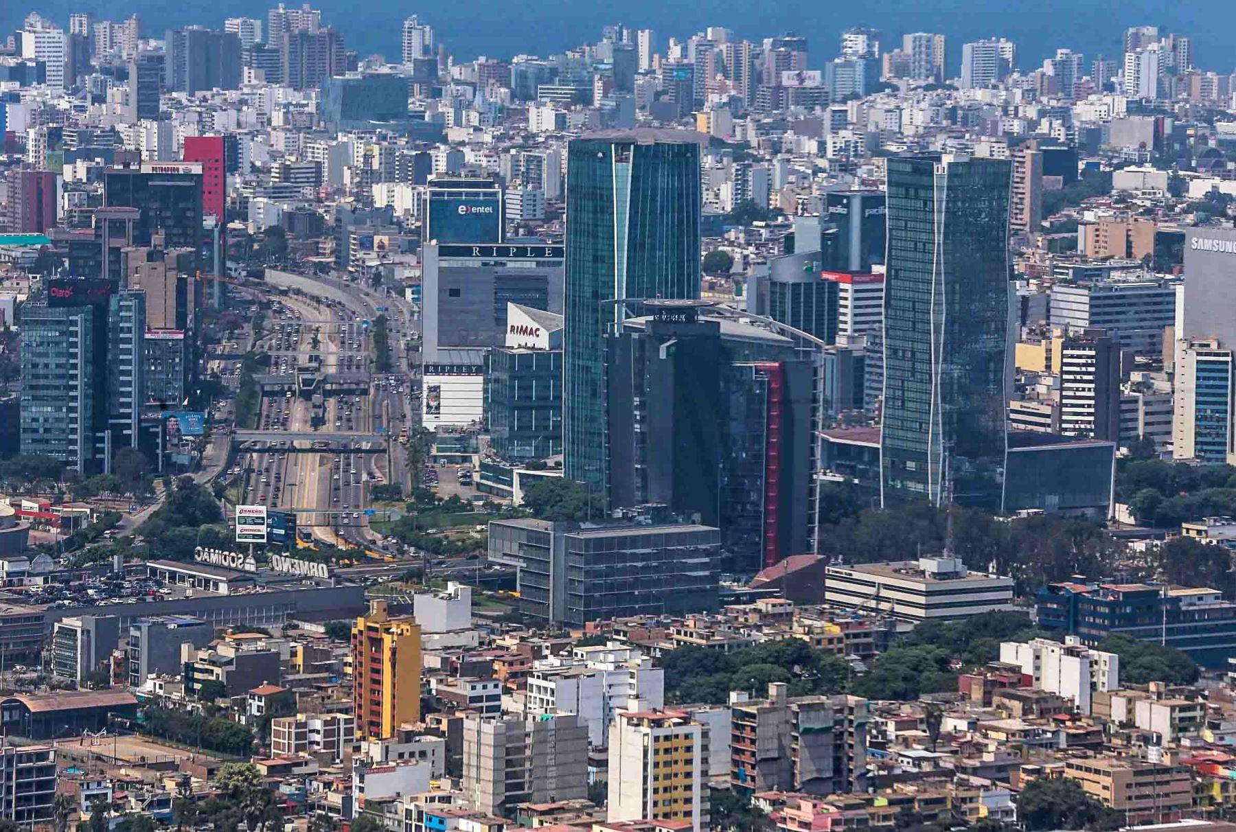 Vista del centro financiero de Lima. ANDINA/Carlos Lezama