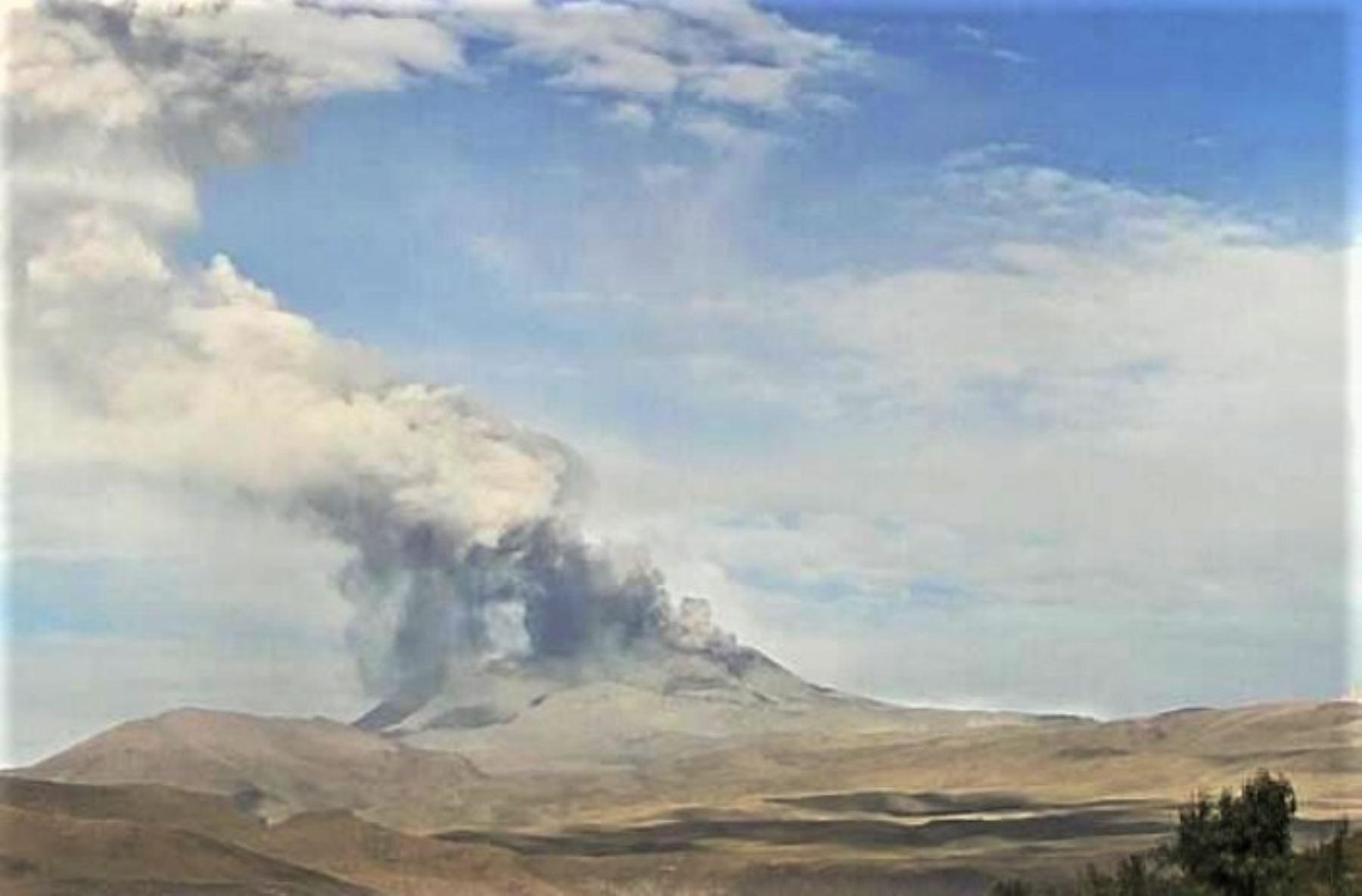 Actividad del volcán Sabancaya el 21 de mayo de este año.