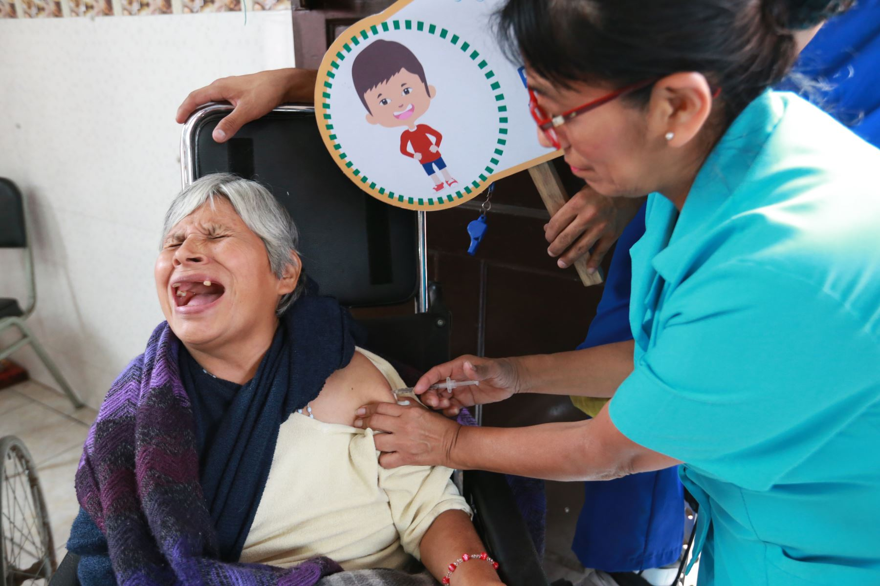 Adultos mayores deben ser vacunados contra la Influenza A H1N1. Foto: ANDINA/Norman Córdova