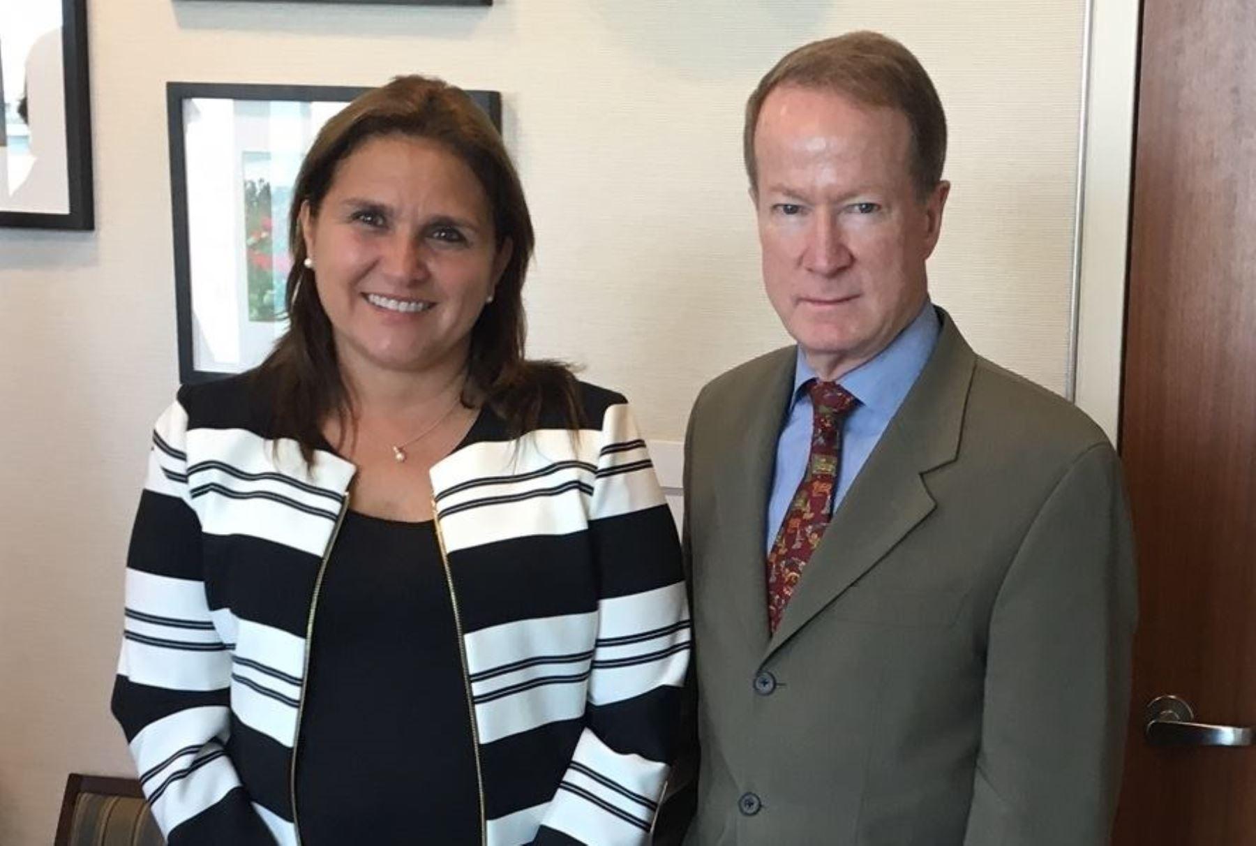Ministra de Justicia, María Soledad Pérez Tello, se reunió con Secretario de Estado Asistente para Asuntos Internacionales Antinarcóticos y Cumplimiento de la Ley de Estados Unidos, William Brownfield.
