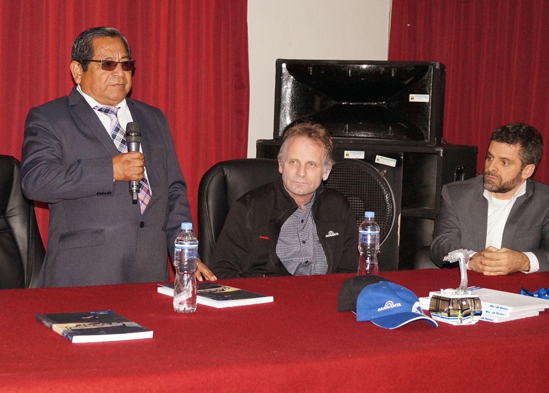 Gobernador regional de Áncash, Luis Gamarra, presentó junto a inversionistas privados proyecto para construir teleférico en el Callejón de Huaylas. ANDINA