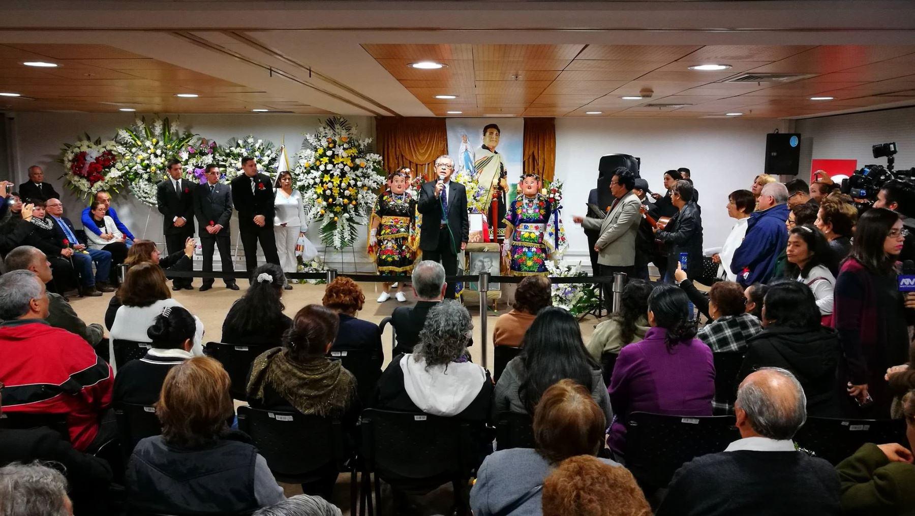 La familia de Abanto Morales agradeció a los presentes.