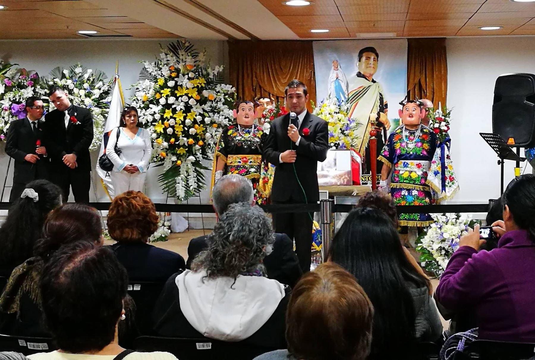 La familia continúa agradeciendo el cariño del pueblo ante la partida del artista, ícono de la música popular peruana.