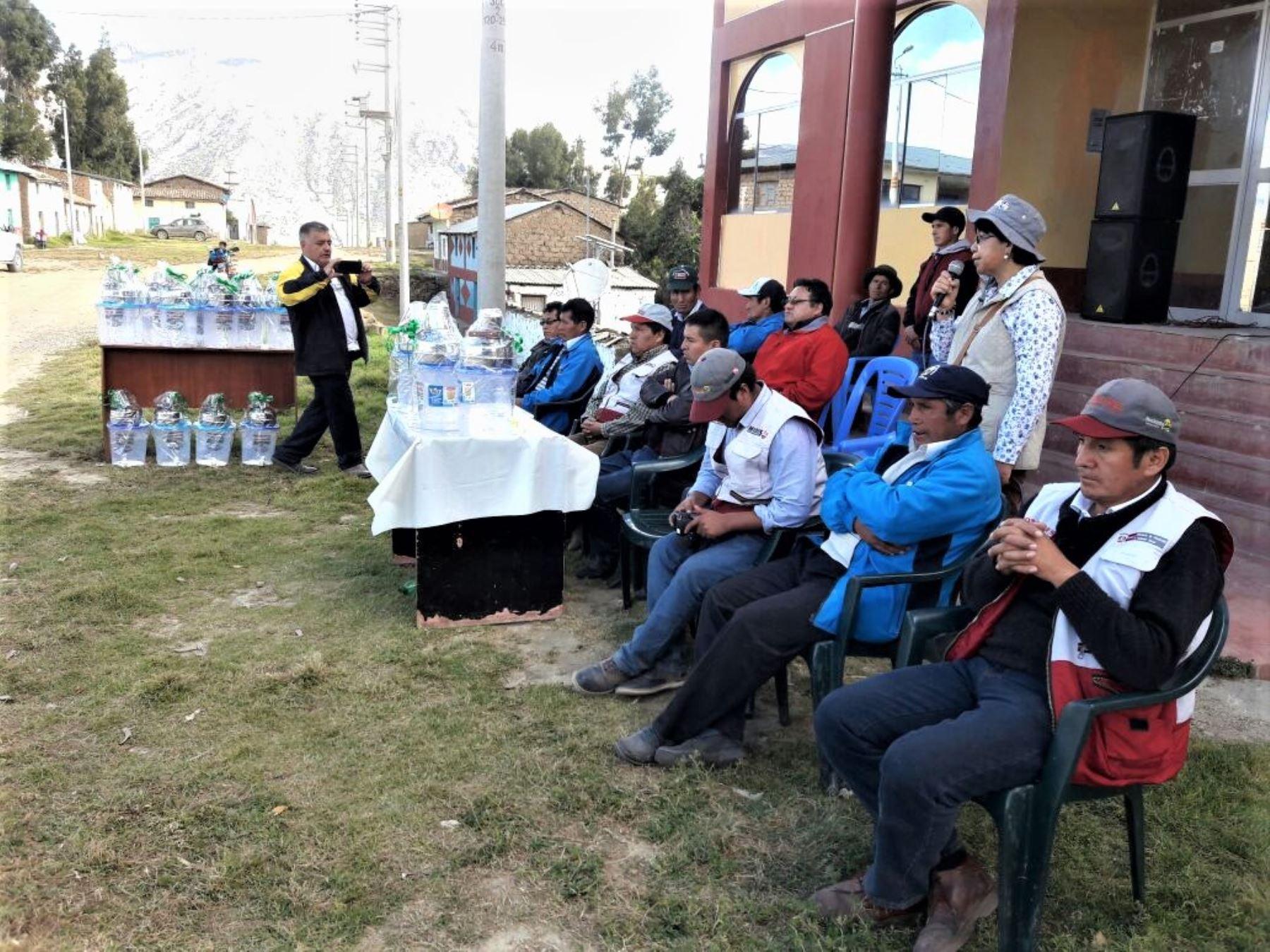 Tendrán 400 cocinas mejoradas a leña, de las cuales 169 ya se encuentran instaladas y entregadas en viviendas de seis centros poblados..