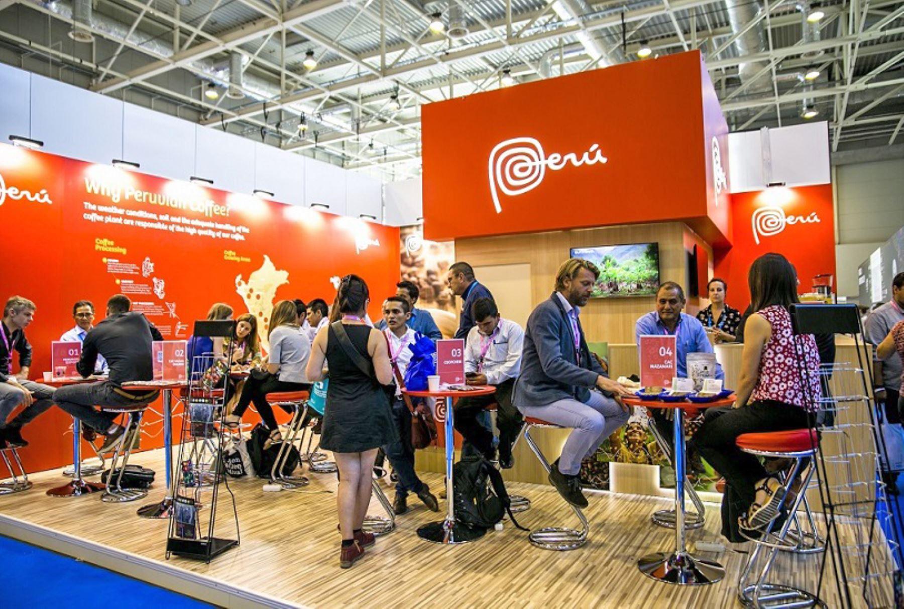 Empresarios peruanos lograron compromisos comerciales por casi US$ 17 millones para los próximos 12 meses en la feria World of Coffee Budapest