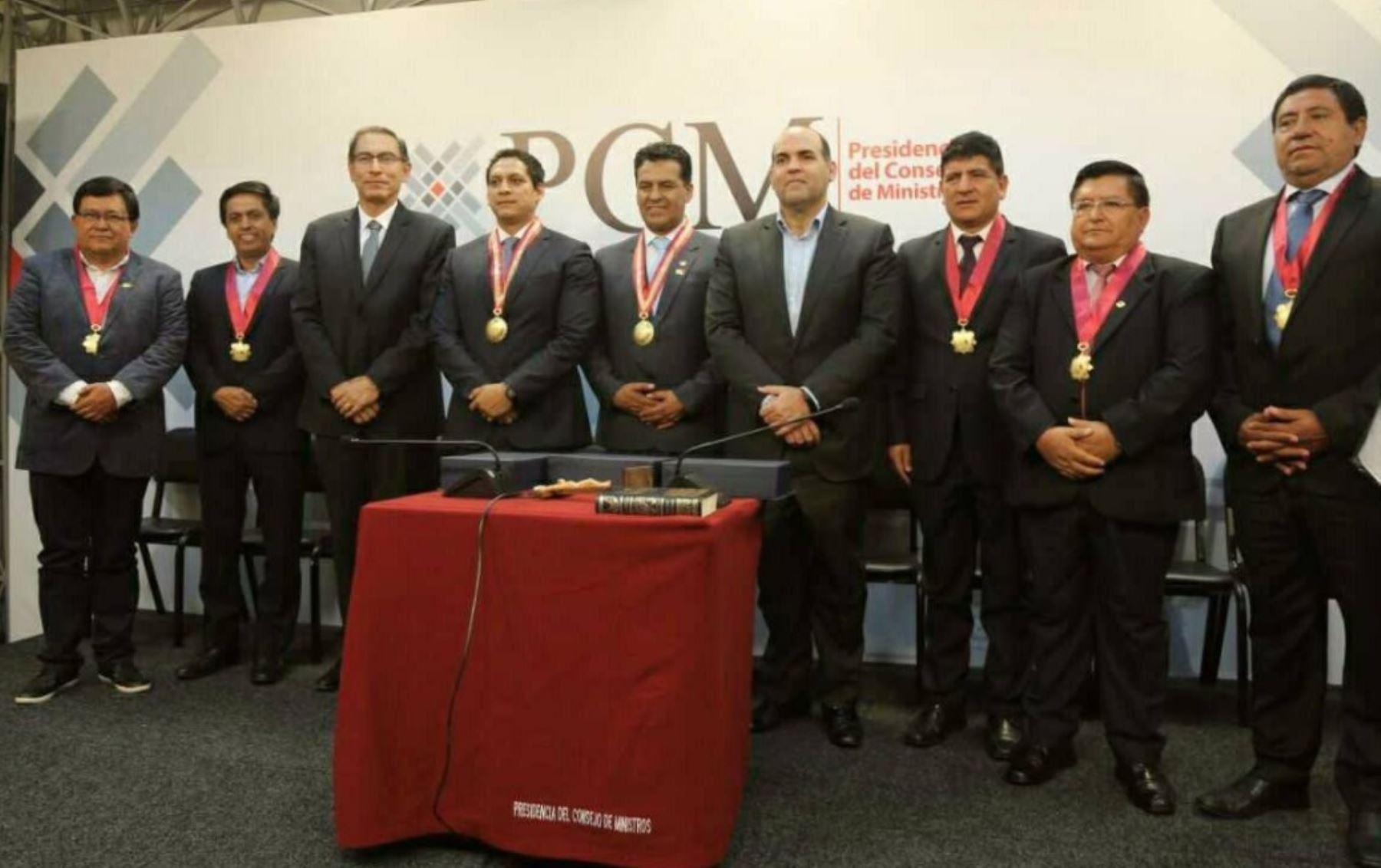Nuevo Consejo directivo de la Asamblea Nacional de Gobiernos Regionales (ANGR), presidido por el gobernador regional de La Libertad Luis Valdez Farías