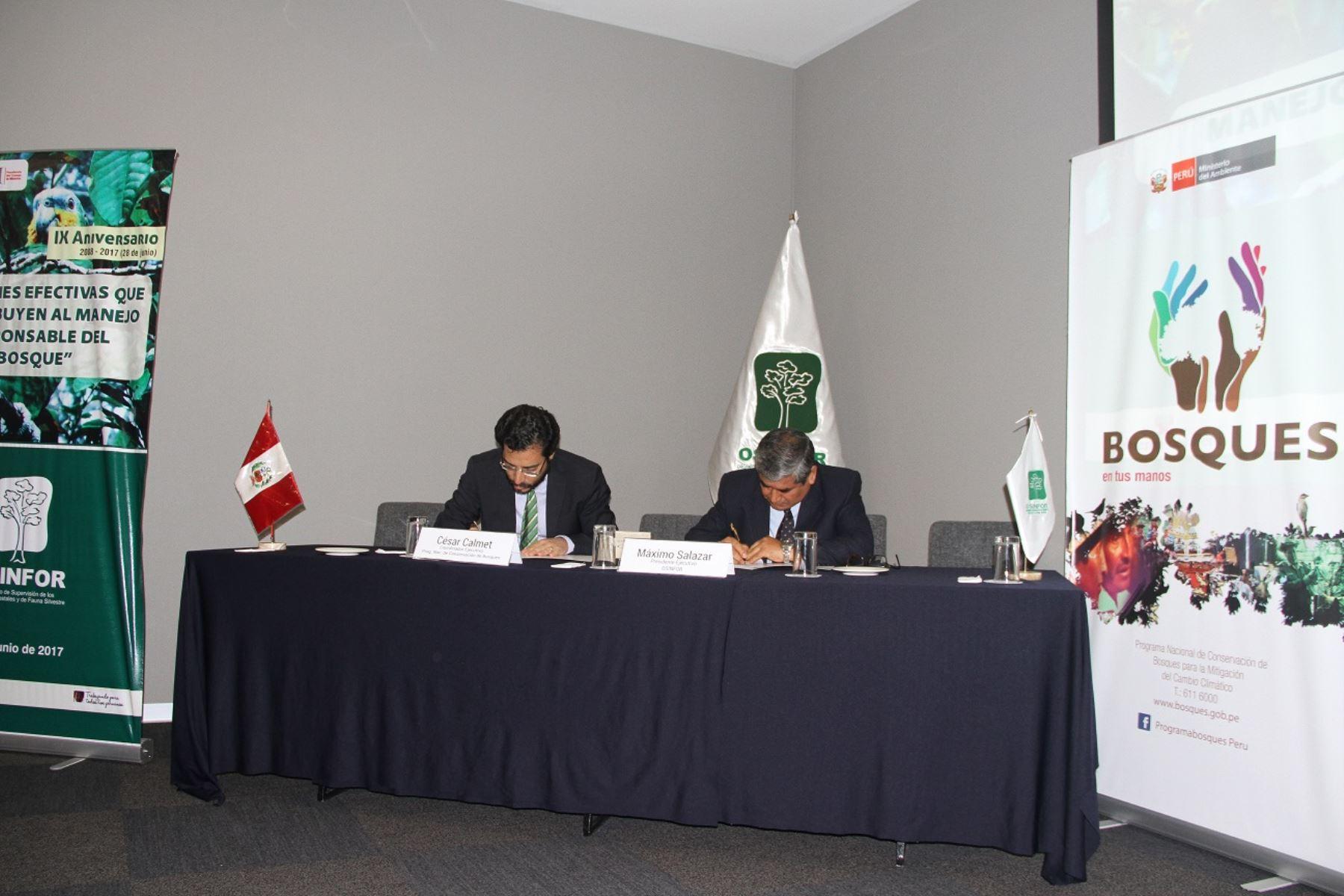 Osinfor y Programa Bosques suscriben convenio para unir esfuerzos para conservación de bosques.
