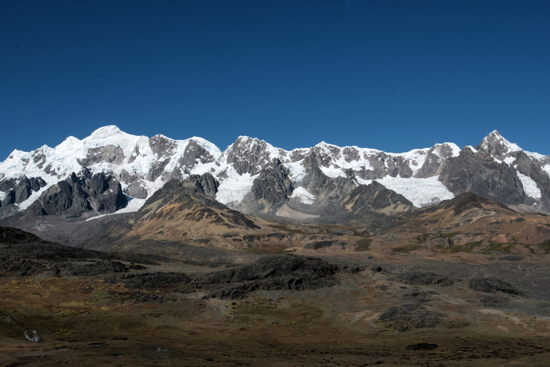 En su apuesta por el aprovechamiento sostenible de su patrimonio natural y enorme biodiversidad, la región Cusco lidera las iniciativas para la creación de nuevas áreas naturales protegidas, con dos nuevas propuestas referidas al Área de Conservación Regional Ausangate y la Reserva de Biosfera Avireri Vraem. ANDINA/Jack Ramón