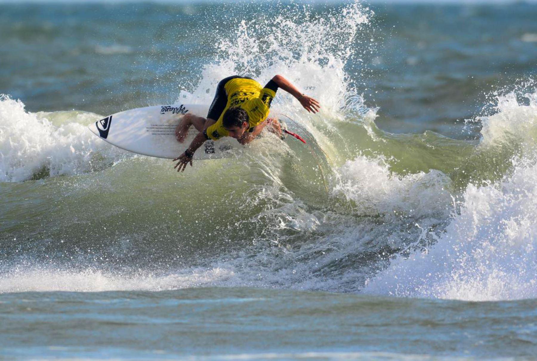 Circuito Mundial De Surf : Álvaro malpartida y tomás tudela brillan en el circuito mundial de