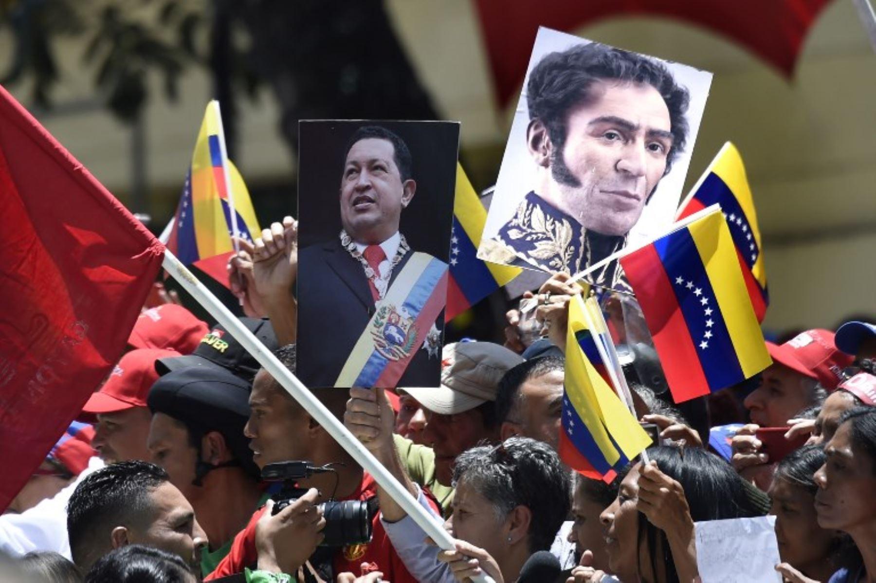 Chavistas participan en una manifestación para apoyar la instalación de la Asamblea Nacional Constituyente. Foto: AFP.