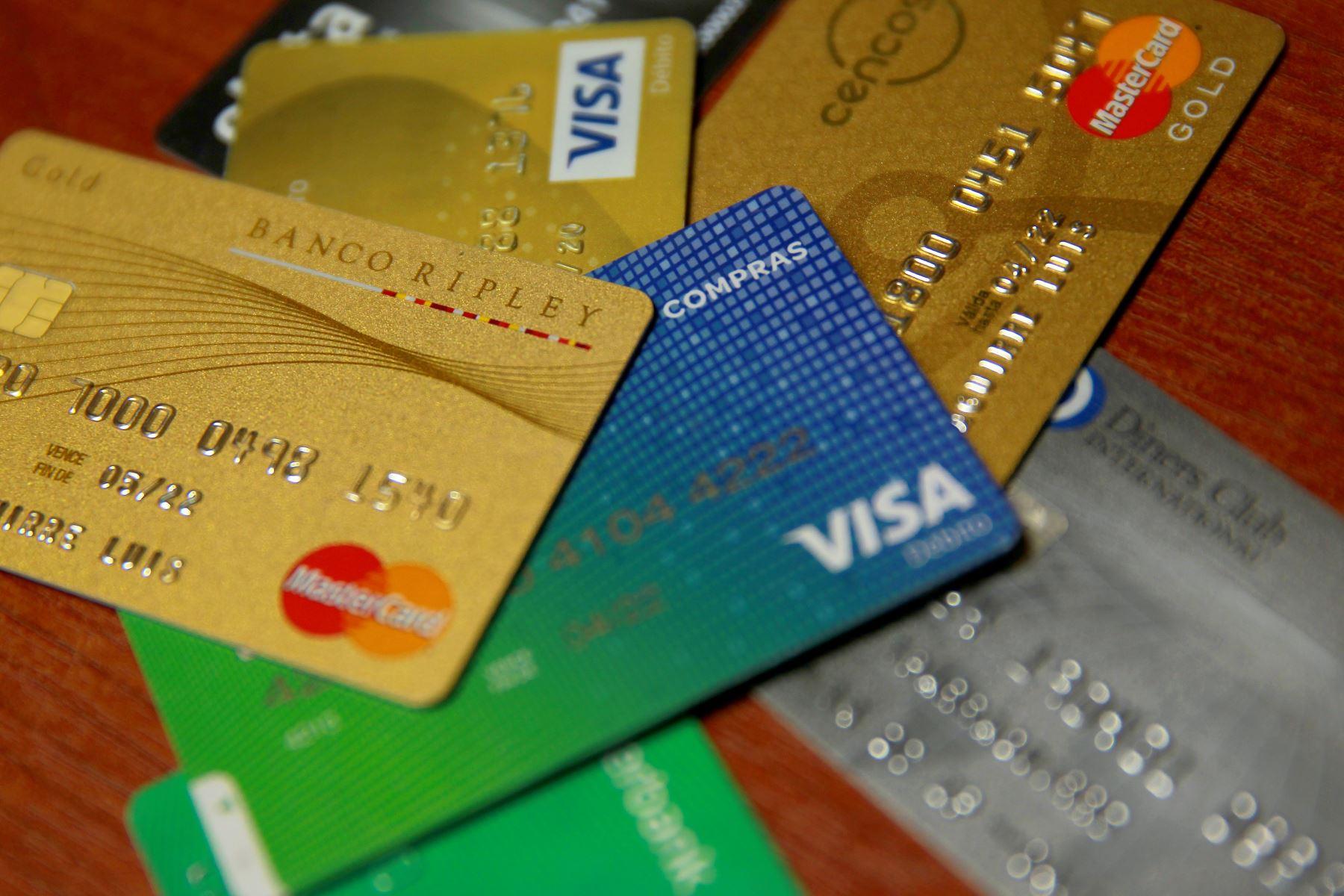 Tarjetas de crédito y débito. ANDINA/Luis Iparraguirre