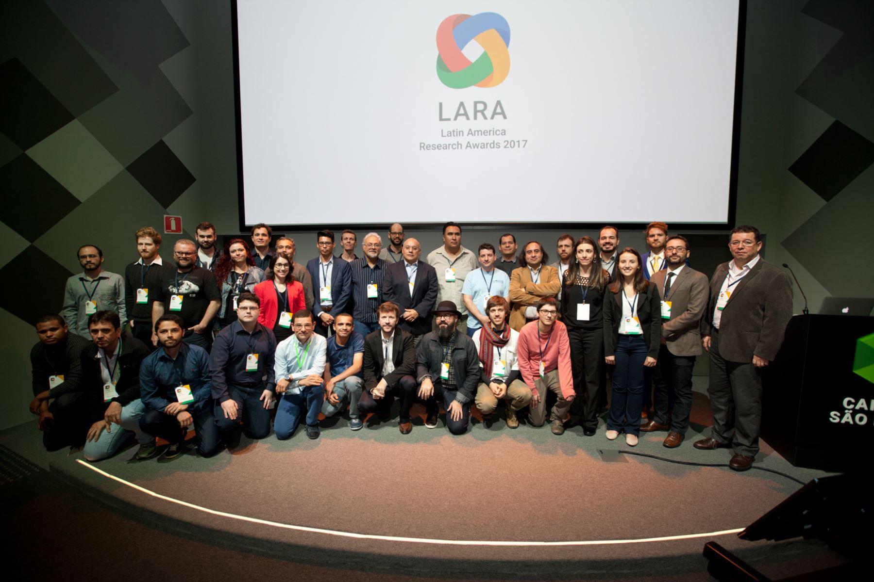 Peruanos ganadores de Premio Google. Foto: Difusión