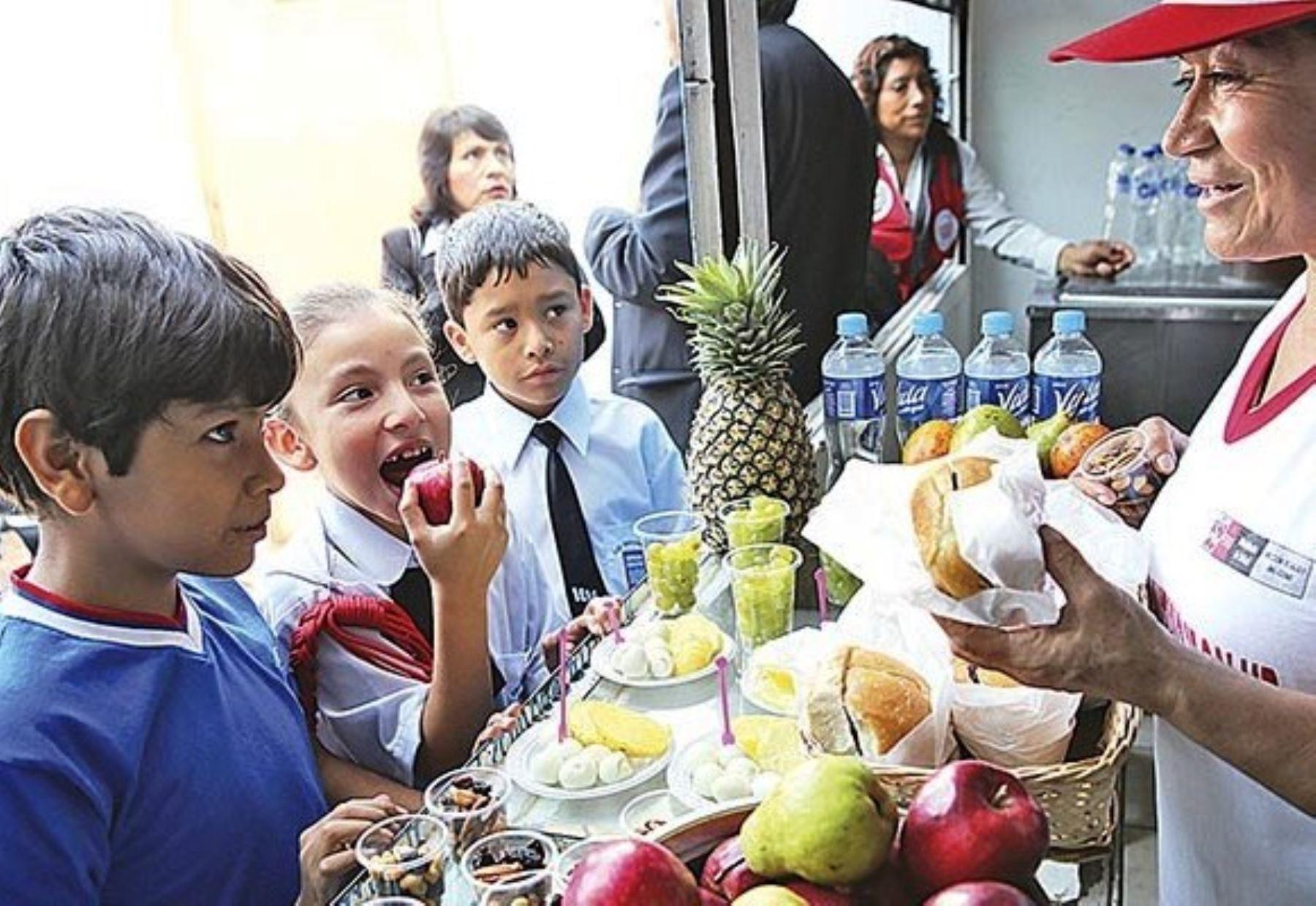 Ley de alimentación promociona una vida sana, no prohíbe nada al consumidor. Foto: ANDINA/archivo.