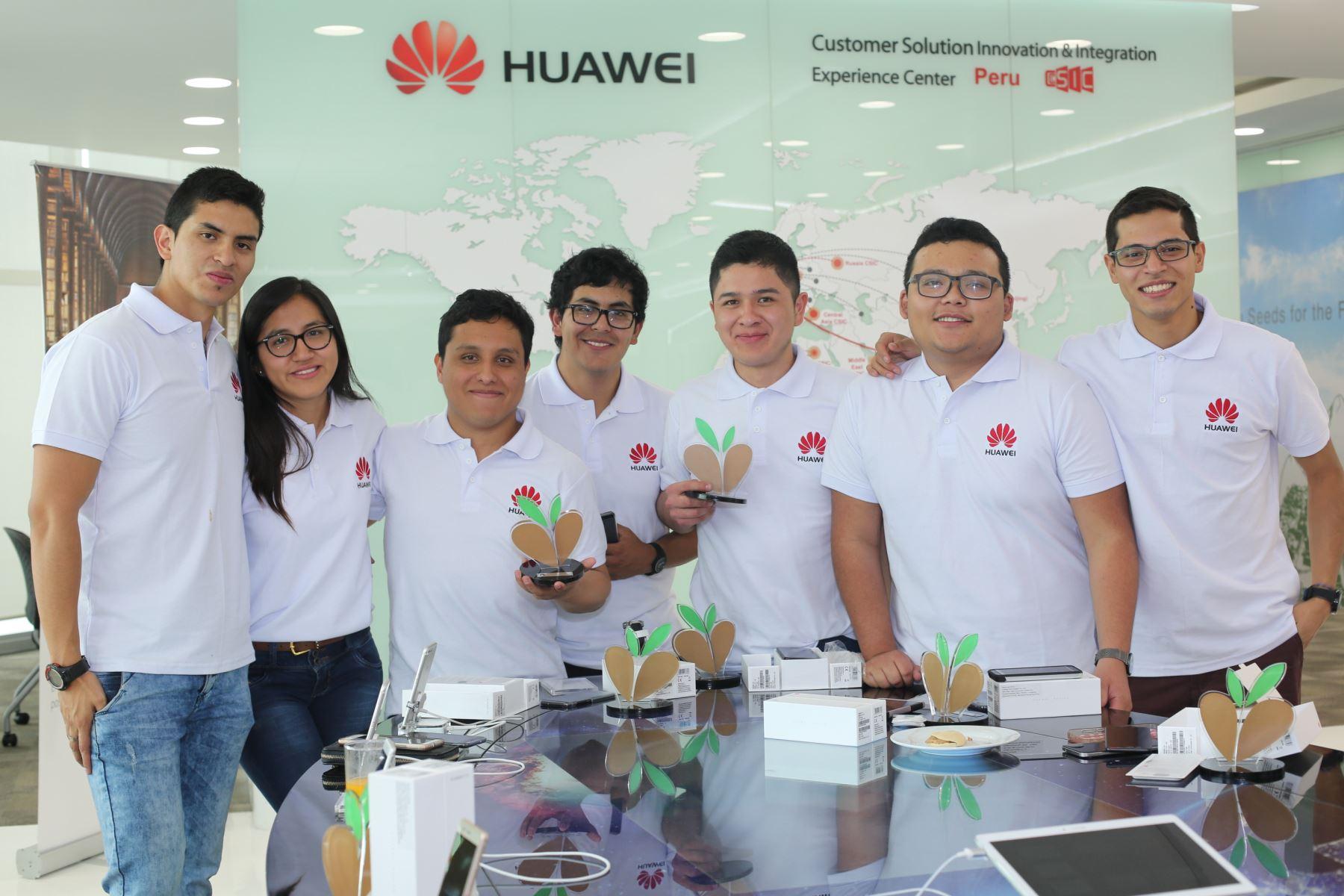 """Grupo de universitarios peruanos viajó a China seleccionados por el programa """"Seeds of the future"""" (Semillas para el futuro). Foto: Difusión."""