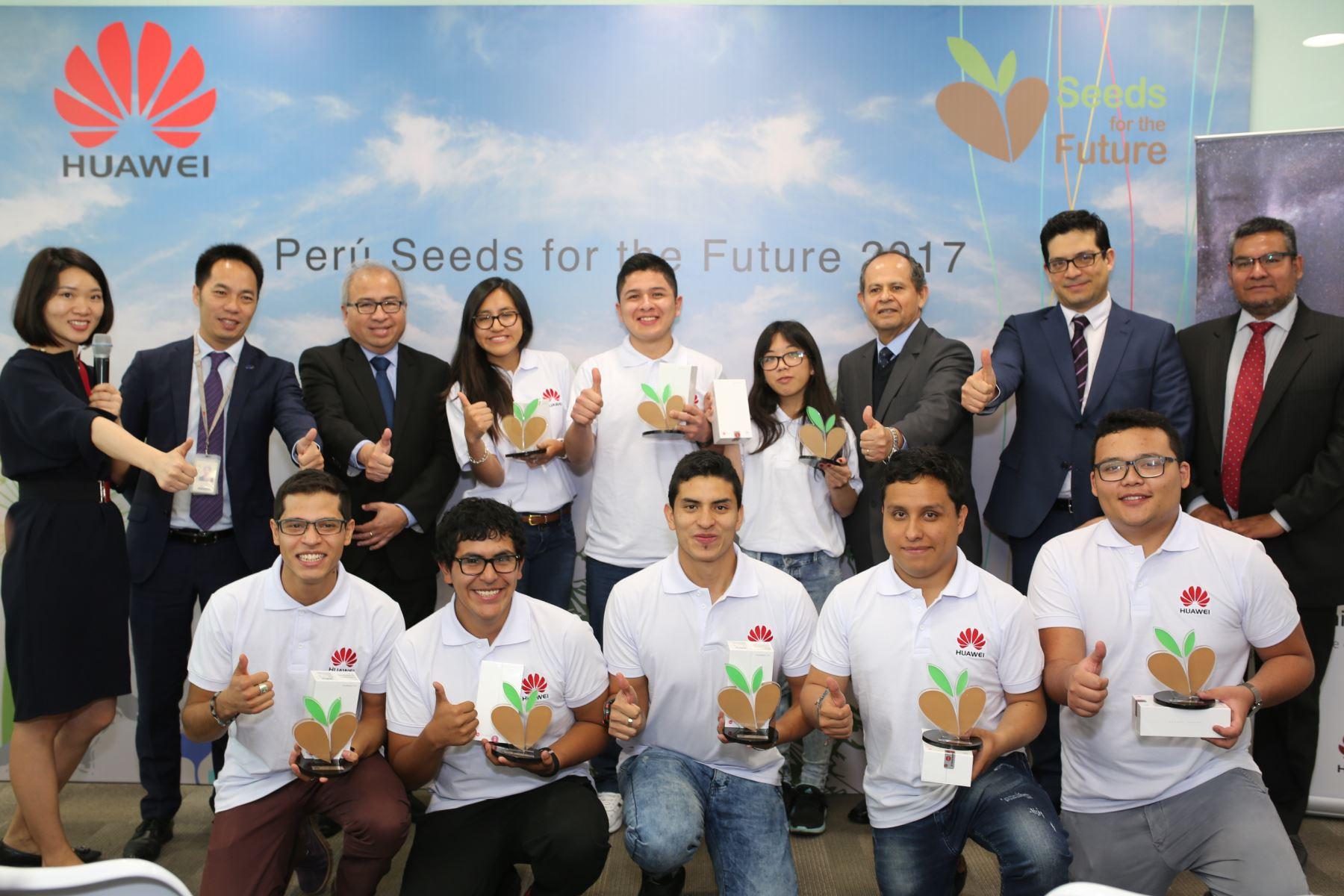 """Grupo de universitarios peruanos viajó a China seleccionados por el programa """"Seeds of the future"""" (Semillas para el futuro). Foto: Difusión"""