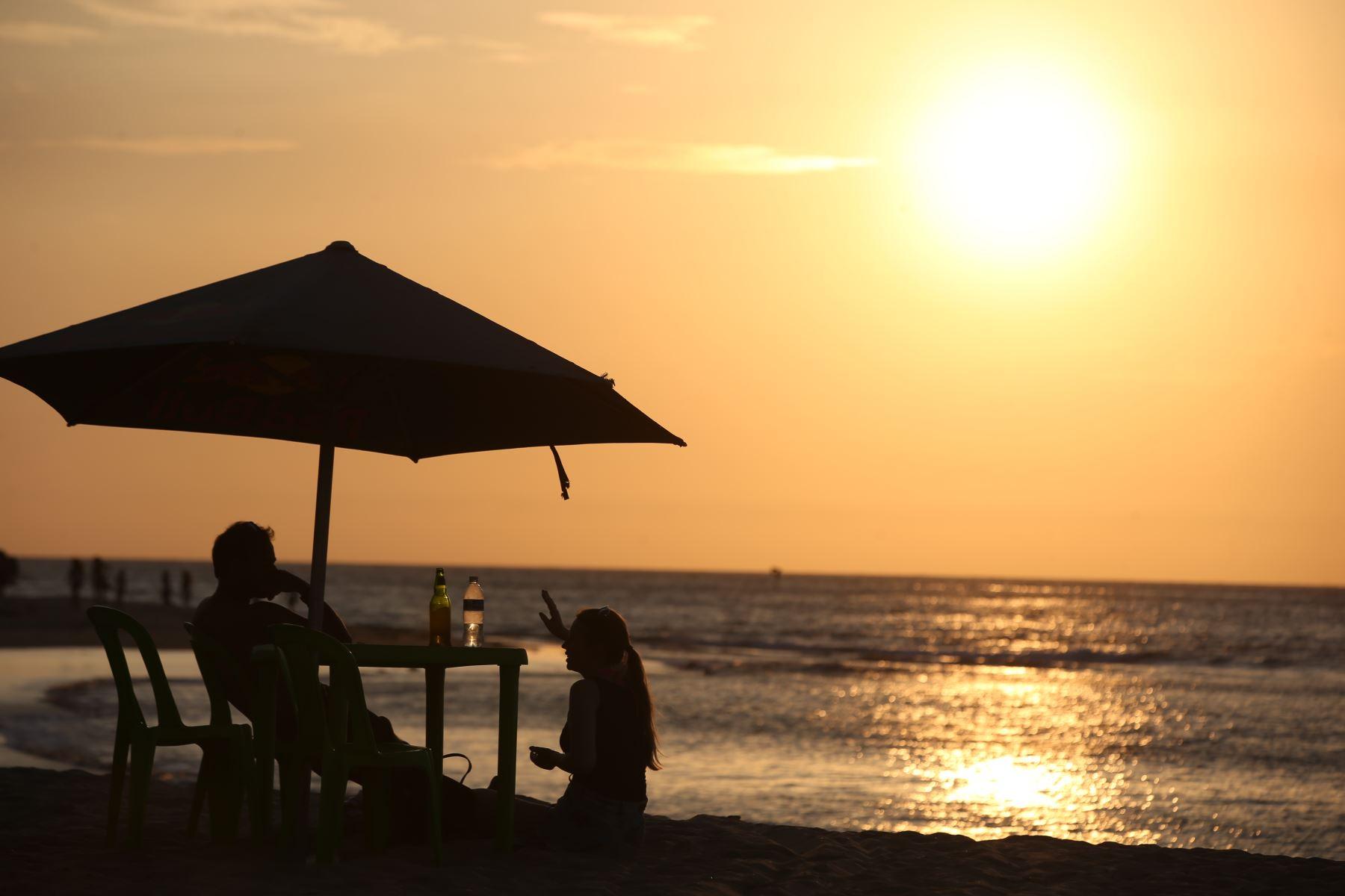 Las playas de la costa norte de Perú, como Máncora y Punta Sal, son los destinos favoritos de los turistas extranjeros que planean visitar el Perú en el último trimestre de este año. ANDINA/archivo