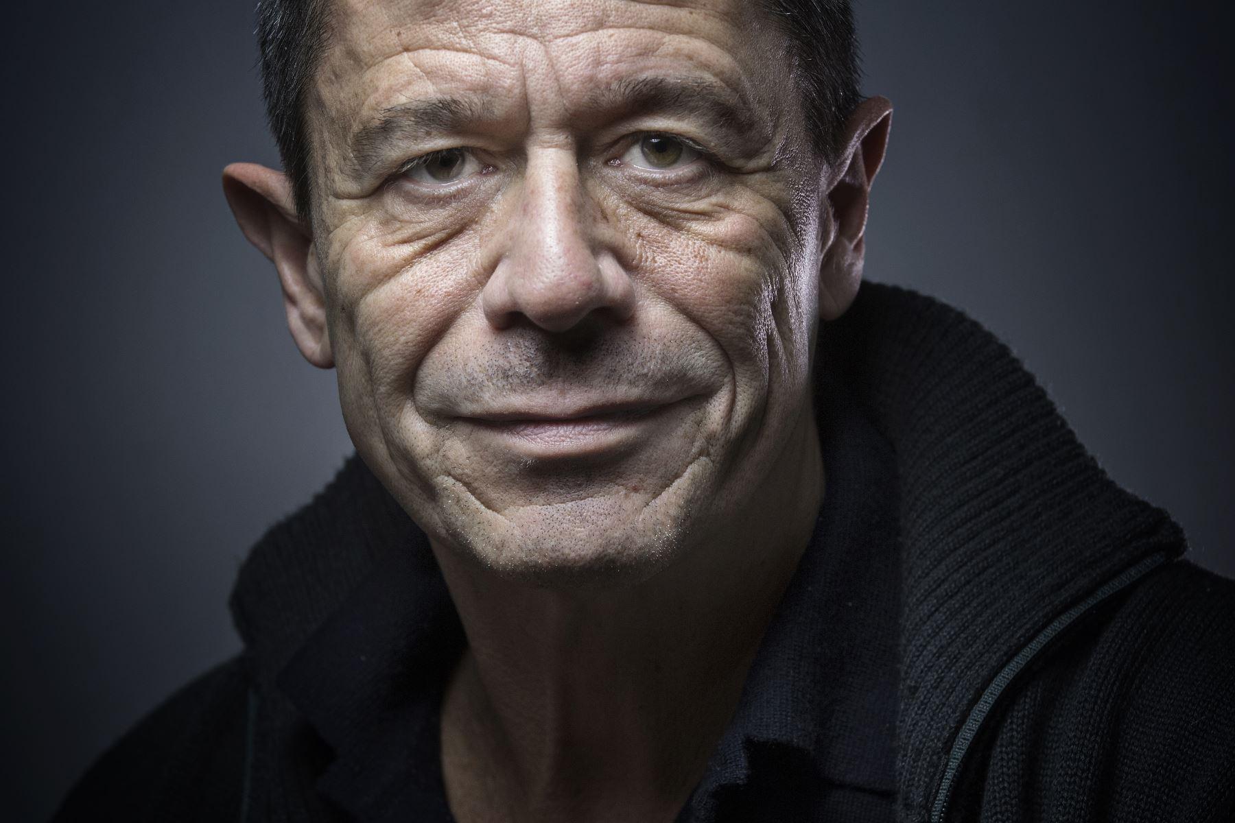 Escritor francés Emmanuel Carrère. Foto: AFP.