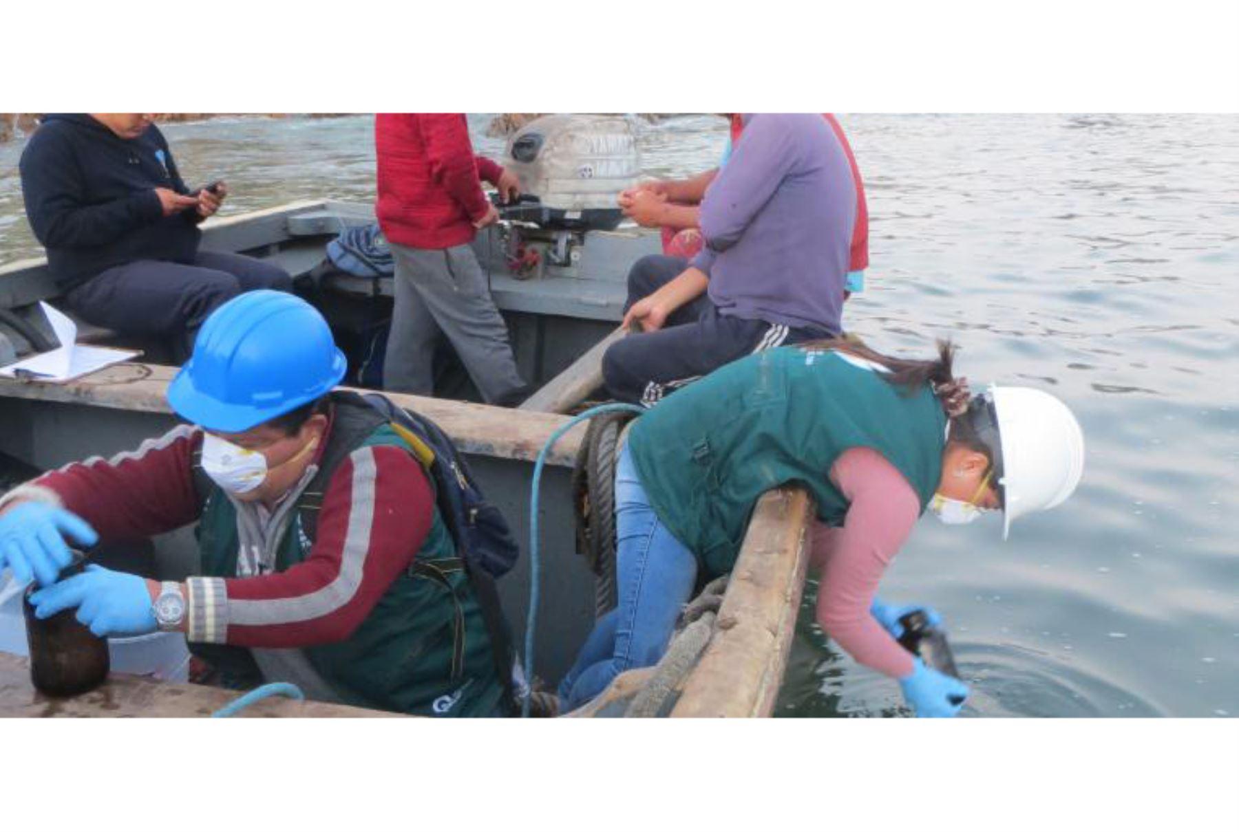 La Fiscalía de Prevención del Delito competente en Materia Ambiental de Ica realizó un operativo en el mar frente a Pisco para constatar el presunto delito de contaminación ambiental por derrame de petróleo, ante la denuncia pública realizada por un ciudadano a través de un medio de comunicación.