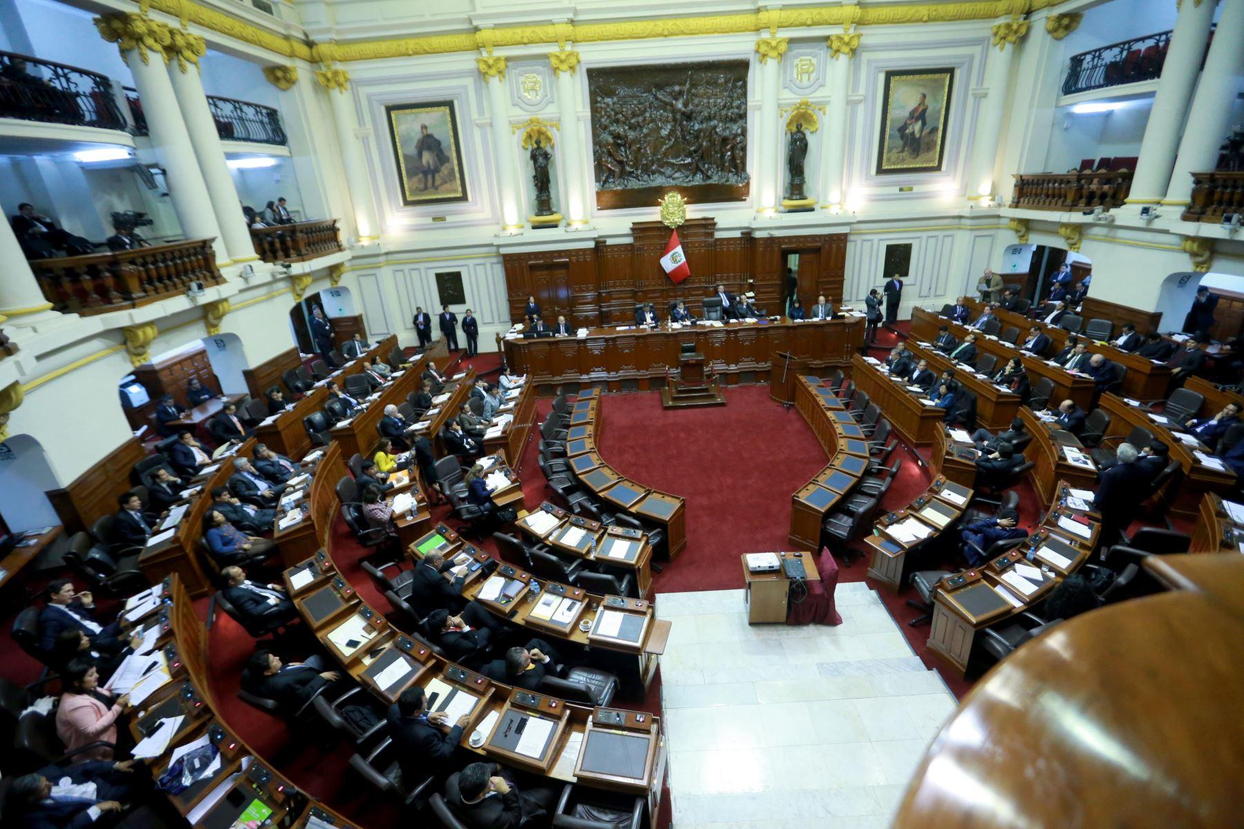 LIMA, PERÚ- SETIEMBRE 14. Pleno del congreso debate voto de confianza a la ministra de Educación y al gabinete del Premier Fernando Zavala. Foto: ANDINA/Jhony Laurente