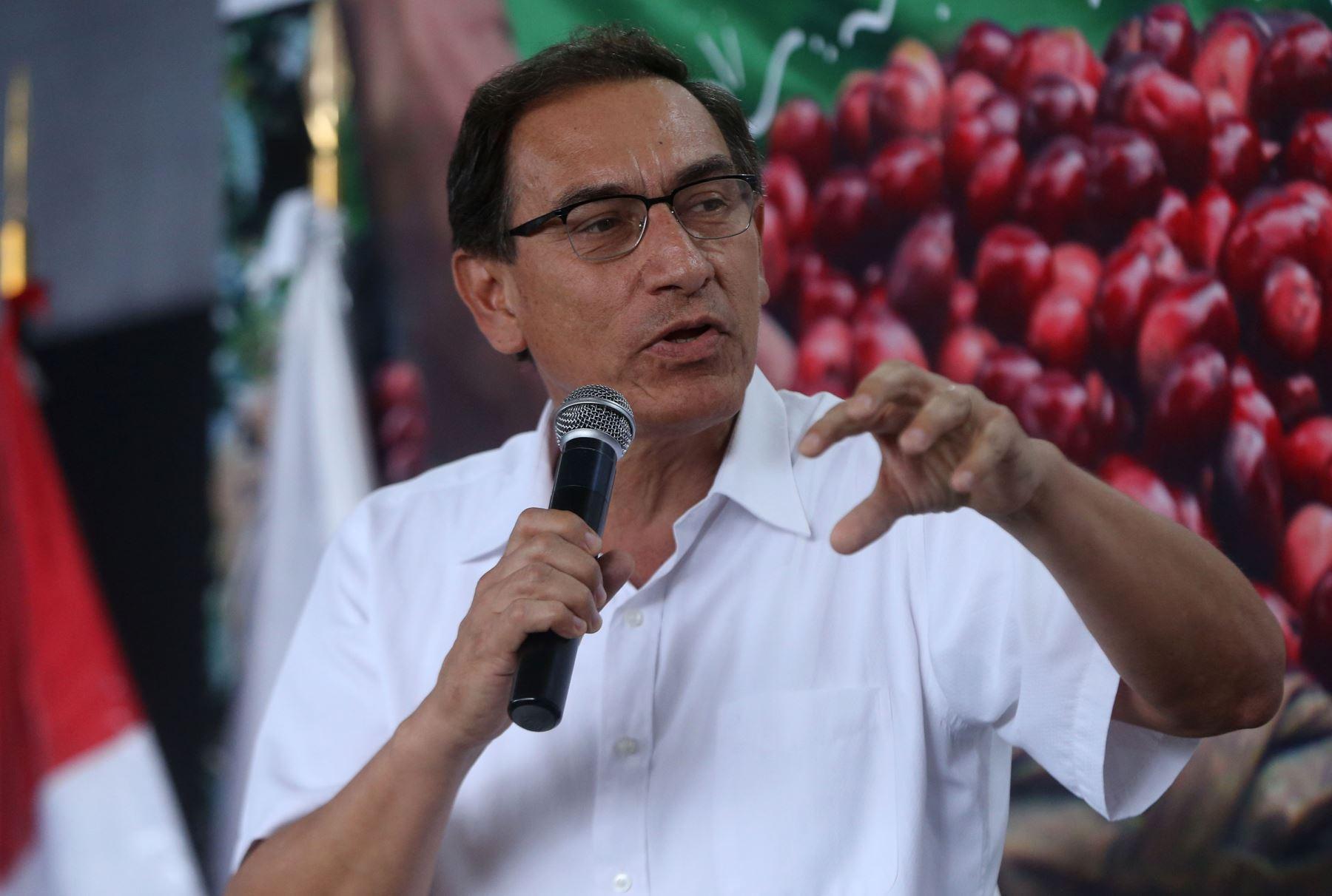 VILLA RICACERRO DE PASCO,PERÚ-SETIEMBRE 16. Martín  Vizcarra vice presidente de la República y el Ministro de Agricultura asisten a la clausura de la  II Feria Internacional de Cafés Especiales del Perú. Foto: ANDINA/Vidal Tarqui