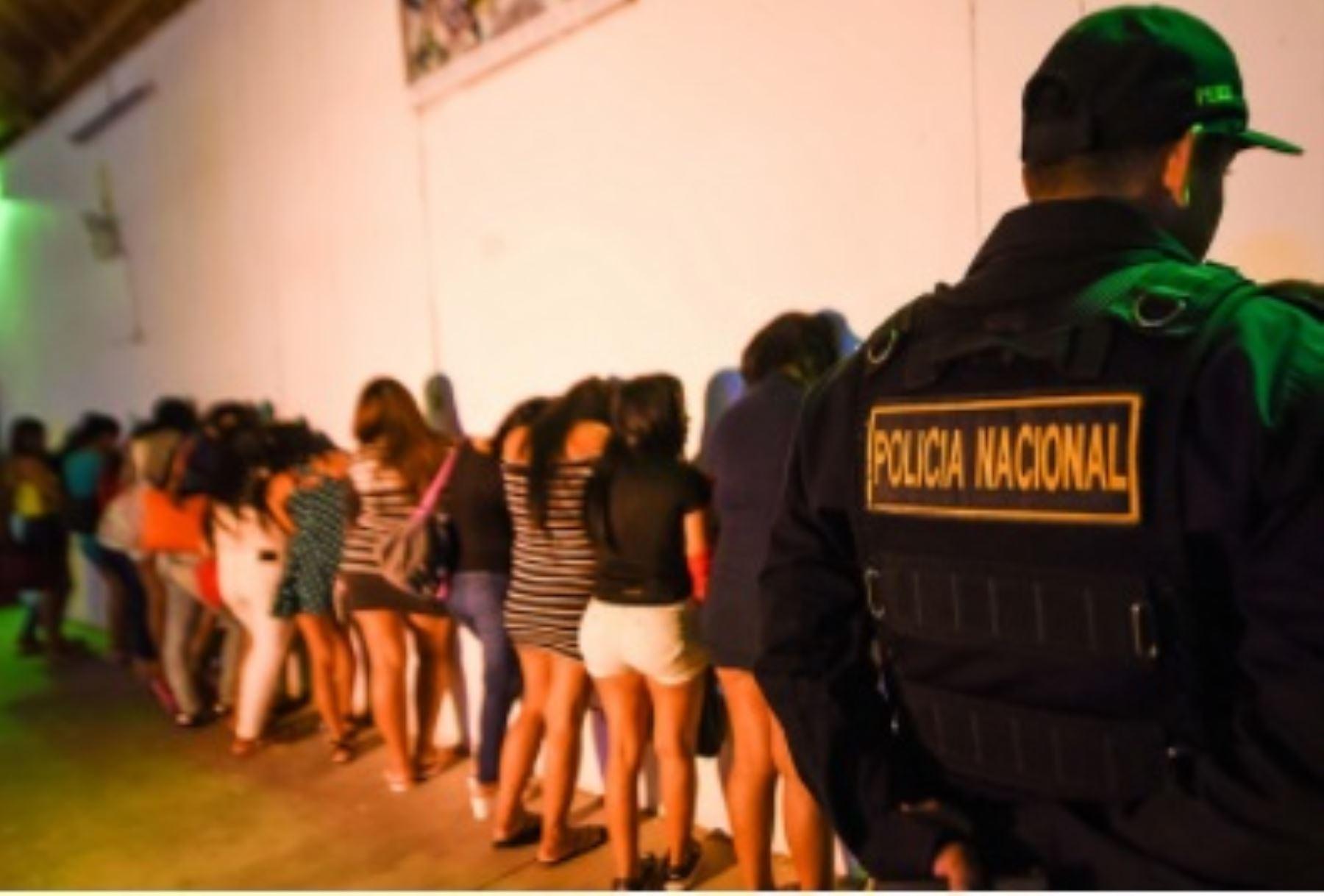 En lo que va del año, la Dirección contra la Trata de Personas y Tráfico Ilícito de Migrantes (Dirctptim), de la Policía Nacional, ejecutó 116 operativos que permitieron rescatar a 730 víctimas de este delito en diversas zonas del país. ANDINA/Difusión