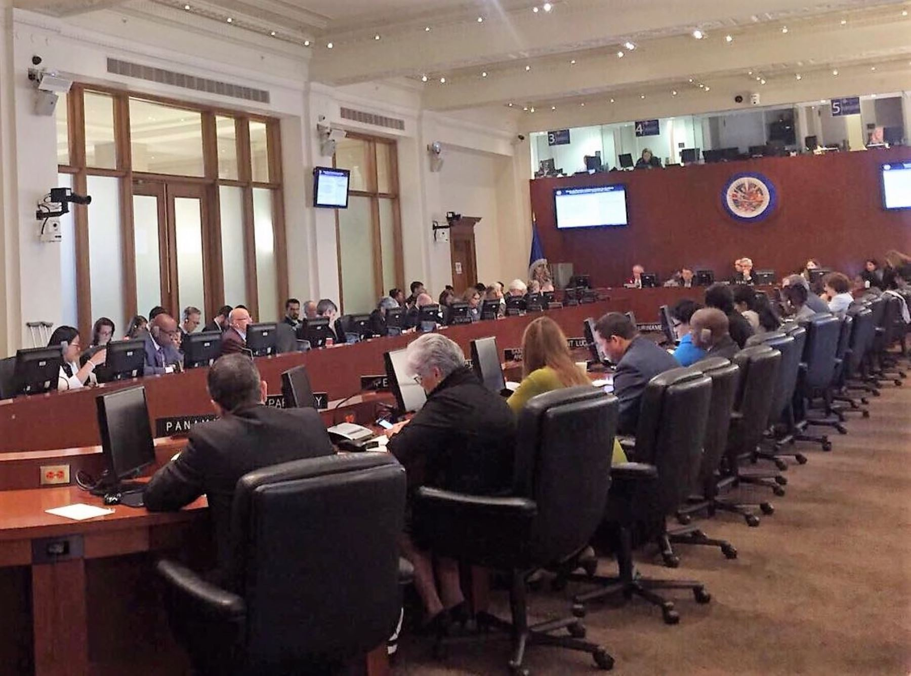 Peru promotes anti-corruption measures at OAS SIRG meeting