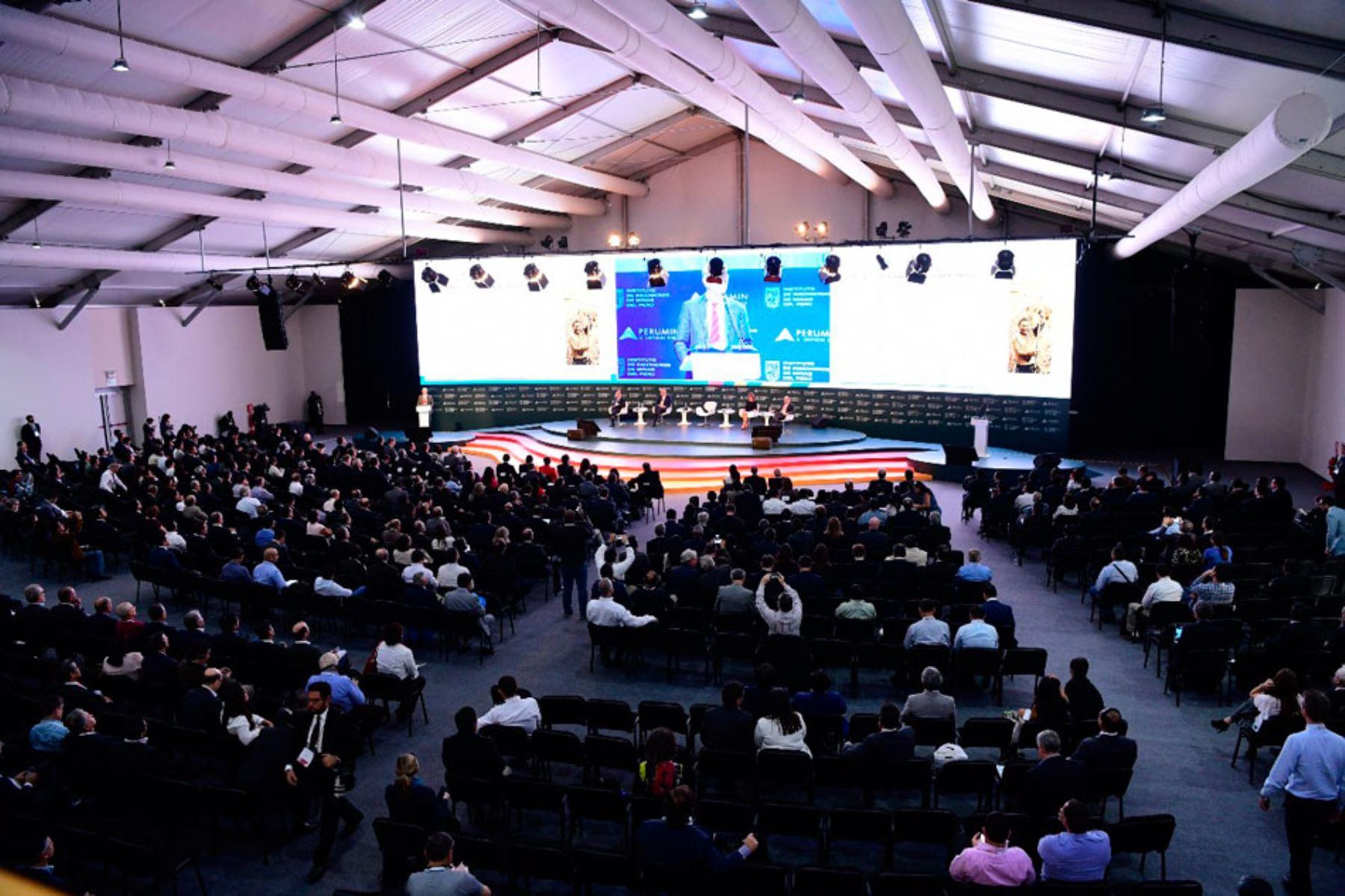 Arequipa podría perder sede de Perumin 34 Convención Minera por reinicio de paro, afirma presidente del comité organizador, Carlos Gálvez. ANDINA/Difusión