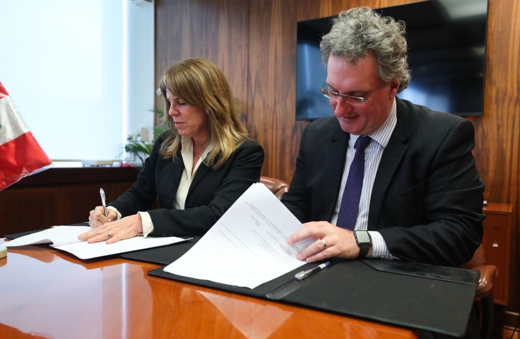 MEM y PNUD suscribe convenio para remediar pasivos ambientales en operaciones petroleras. Foto: Difusión.