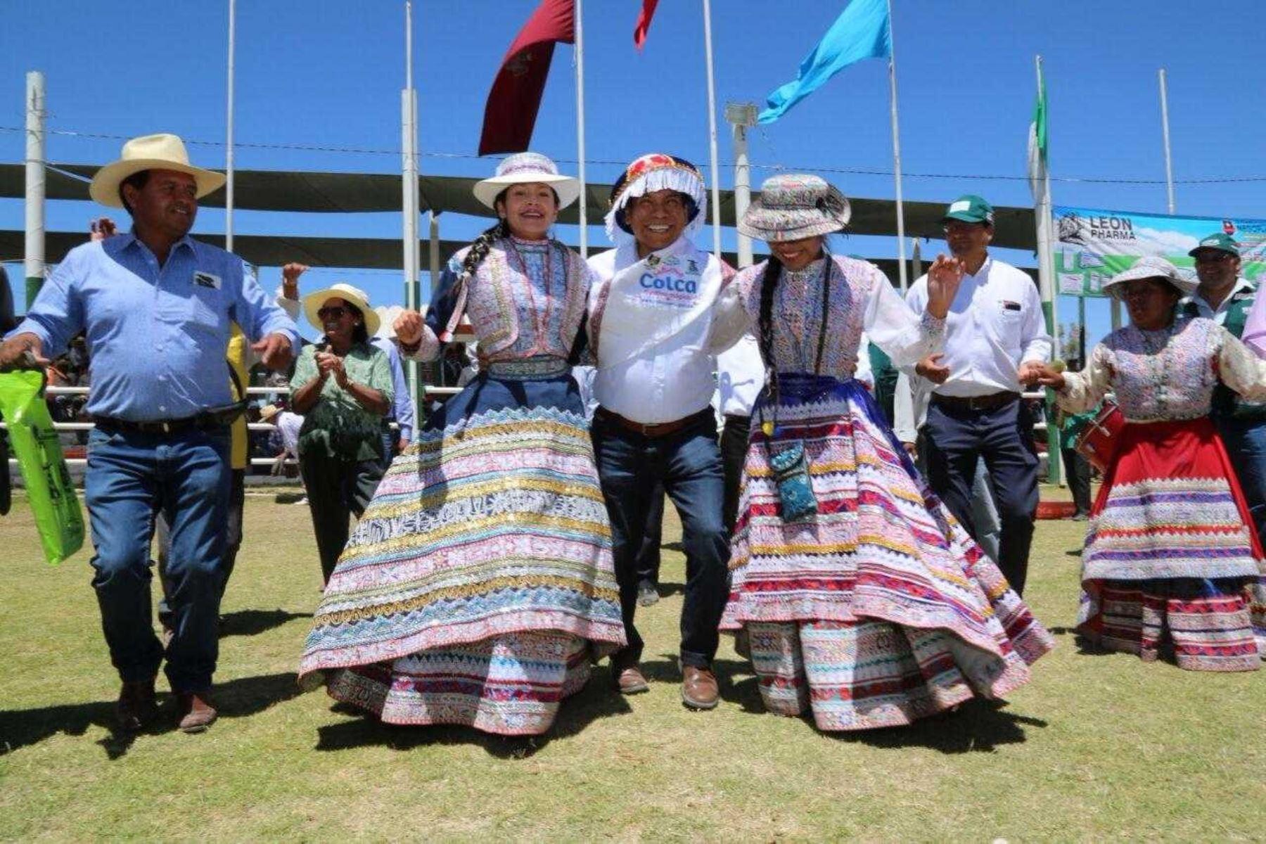 Ministro de Agricultura, José Hernández, clausuró Expo Majes 2017