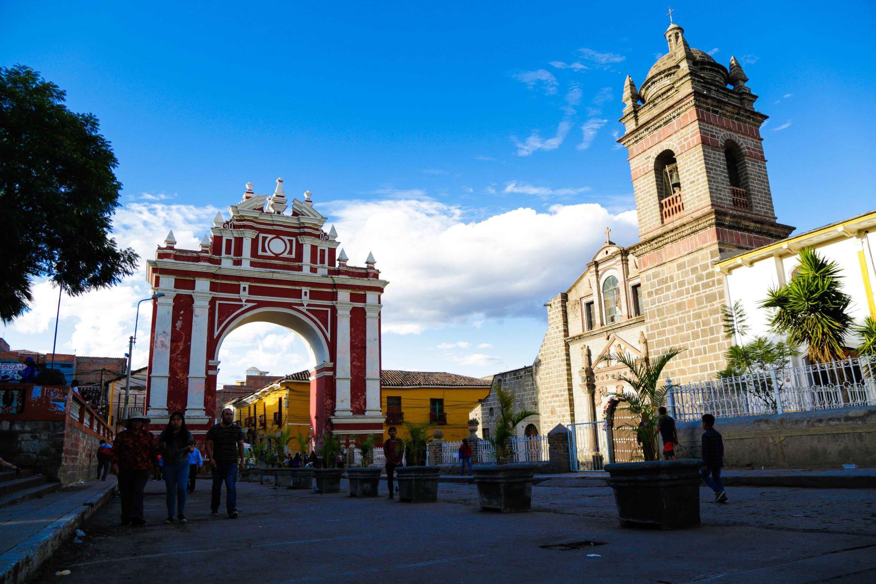 El Ejecutivo invertirá 43 millones de dólares en la puesta en valor de la ciudad de Ayacucho, gracias a un préstamo que se gestiona ante el Banco Interamericano de Desarrollo (BID) que permitirá intervenir en la conservación de ciudades con importante patrimonio cultural. ANDINA/Difusión