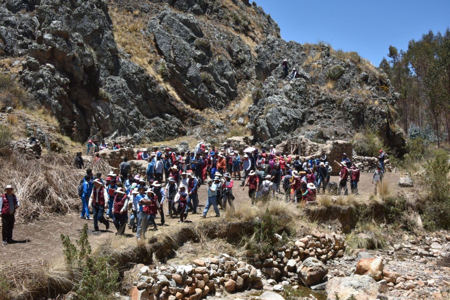 Autoridades y estudiantes de Cusco destacan puesta en valor del Camino Inca al Antisuyo.Foto:  ANDINA.