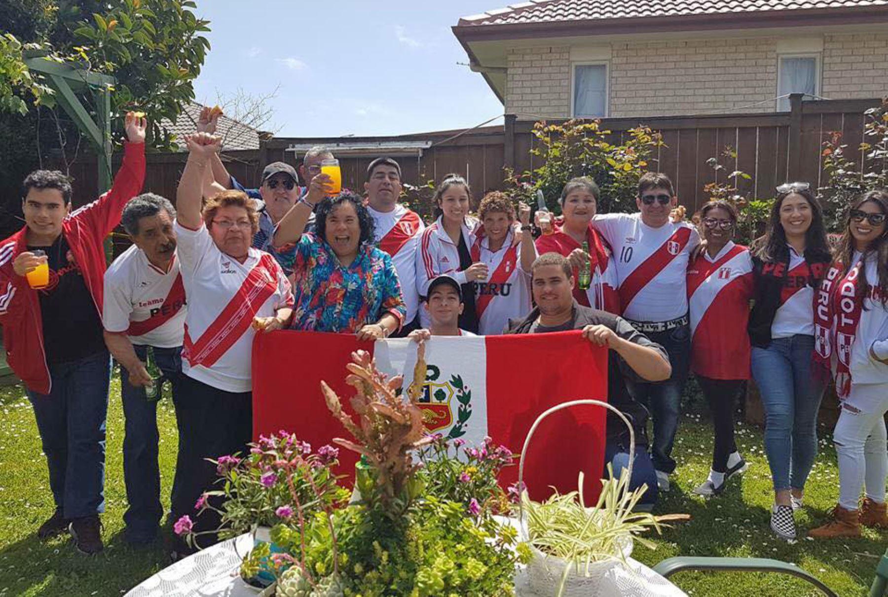 11/10/2017   Hinchas peruanos en Nueva Zelanda. Foto: Facebook/ Patricia Castro Obando