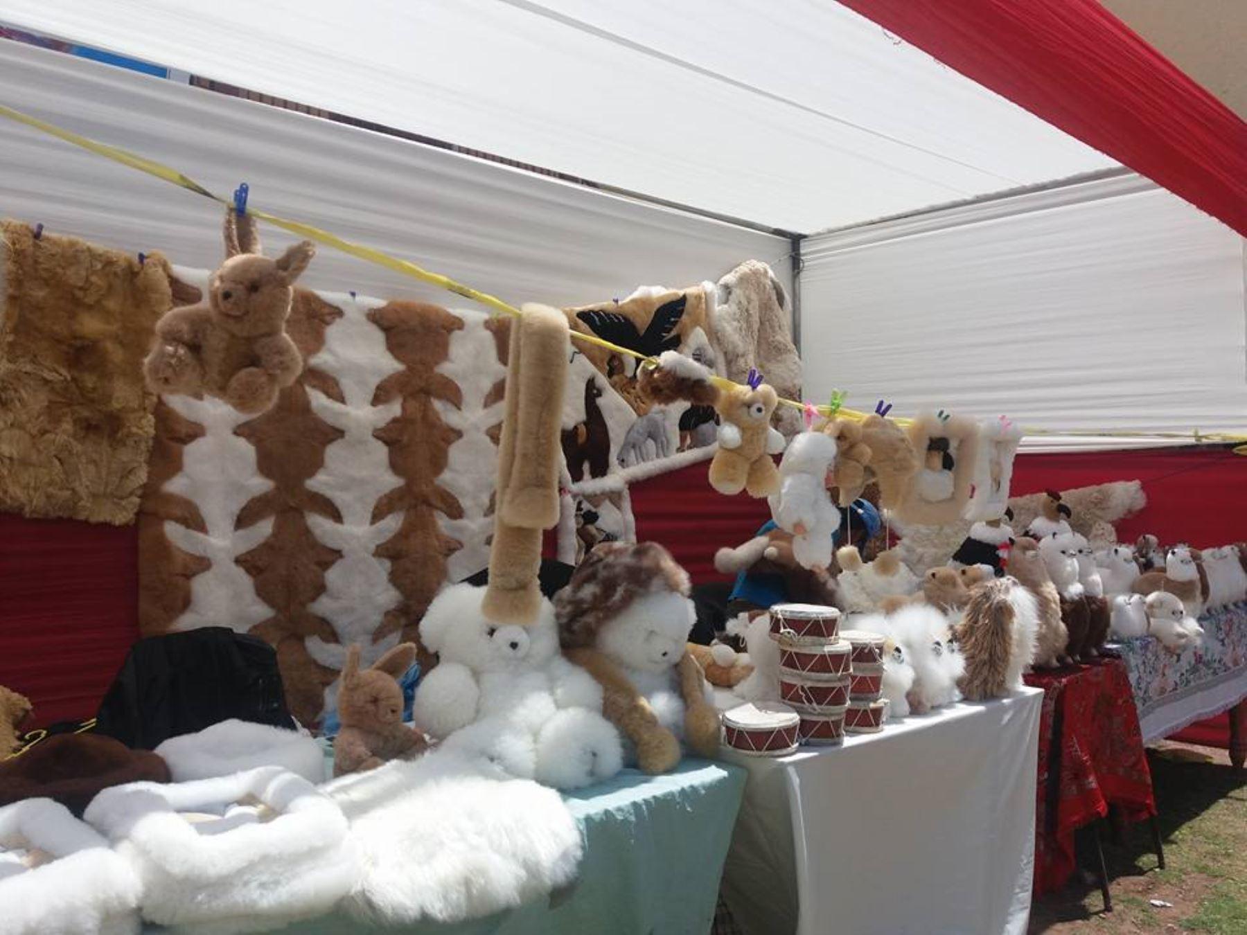 Artesanos en peletería de Cusco buscan ingresar al mercado internacional. ANDINA/Percy Hurtado