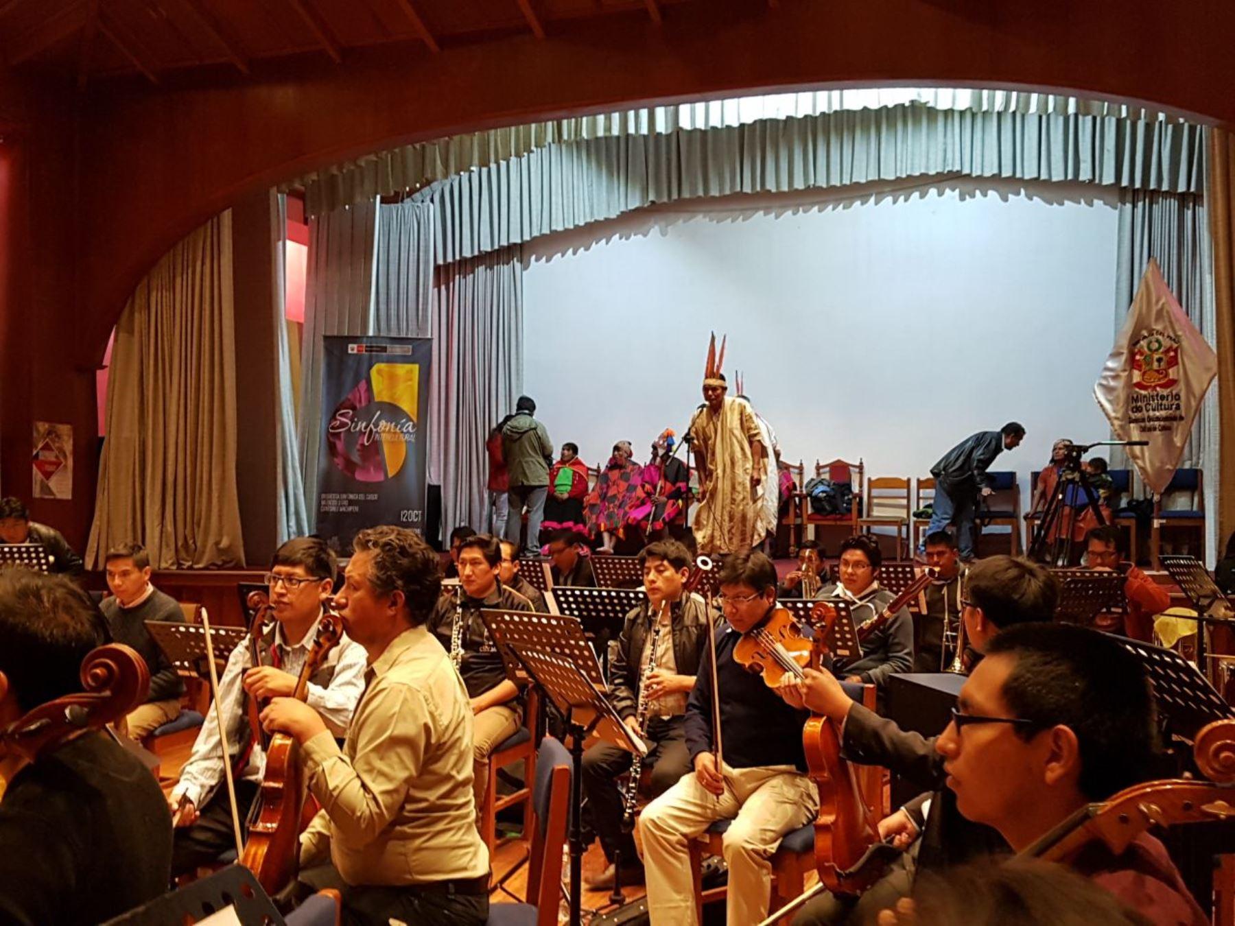 Cantores Wachiperis, músicos Q'ero y la Sinfónica de Cusco ofrecerán concierto. ANDINA/Difusión