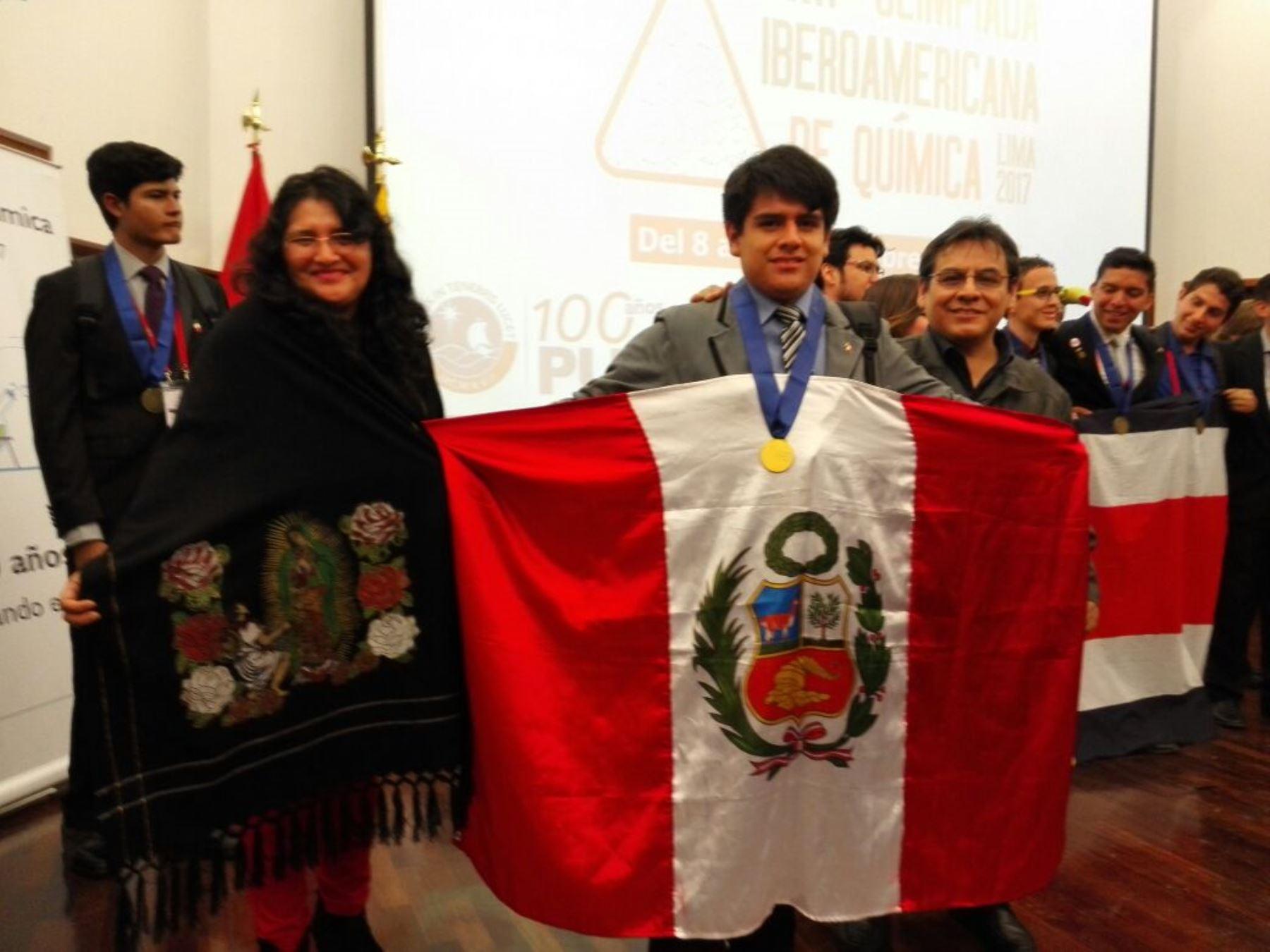 Andrés Fabián Salinas, estudiante peruano logró medalla de oro en Olimpiada Iberoamericana de Química. Foto; ANDINA/Difusión