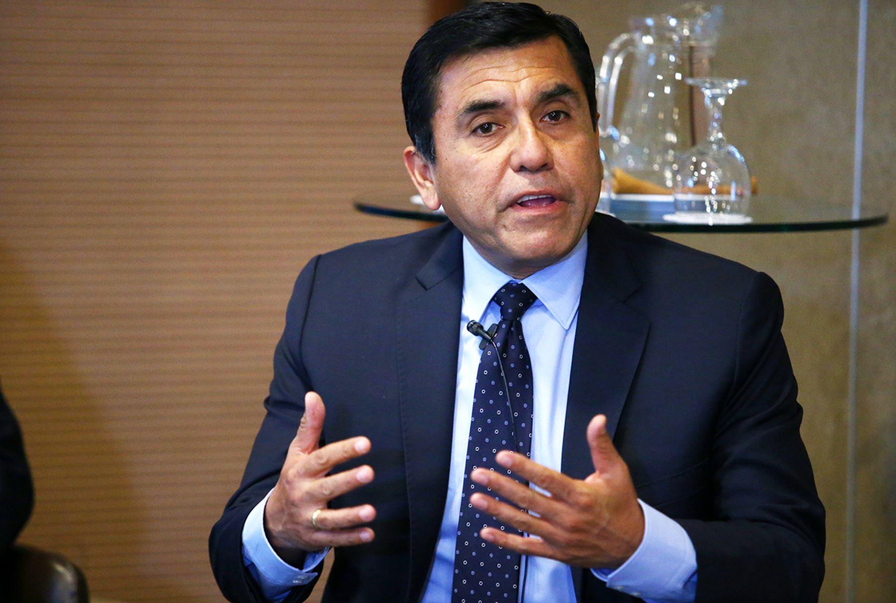 Jefe del Departamento de Economía de la Universidad del Pacífico, Carlos Casas. ANDINA/Melina Mejía