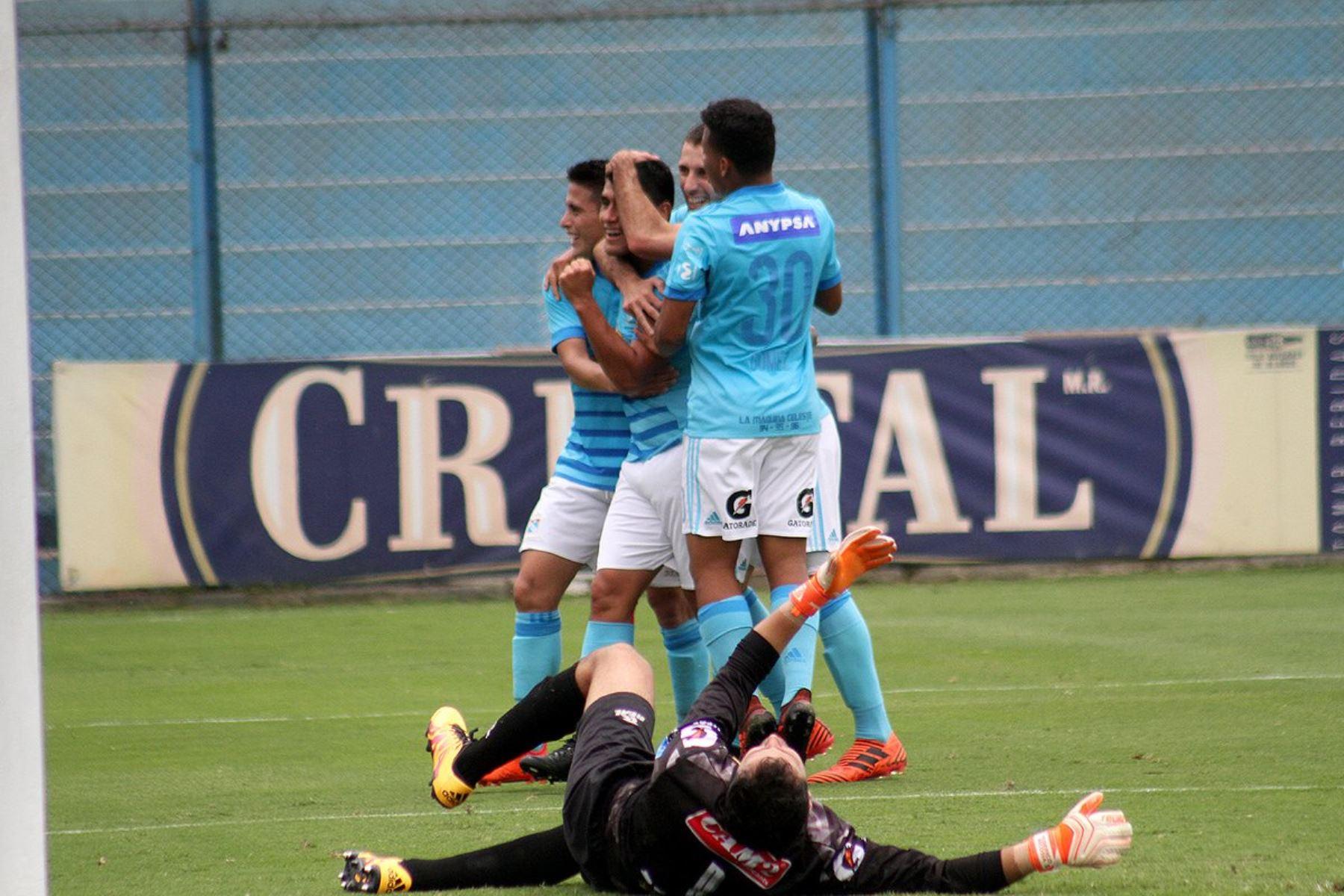 Universitario-Cristal: el partido más fuerte en reanudación del ...